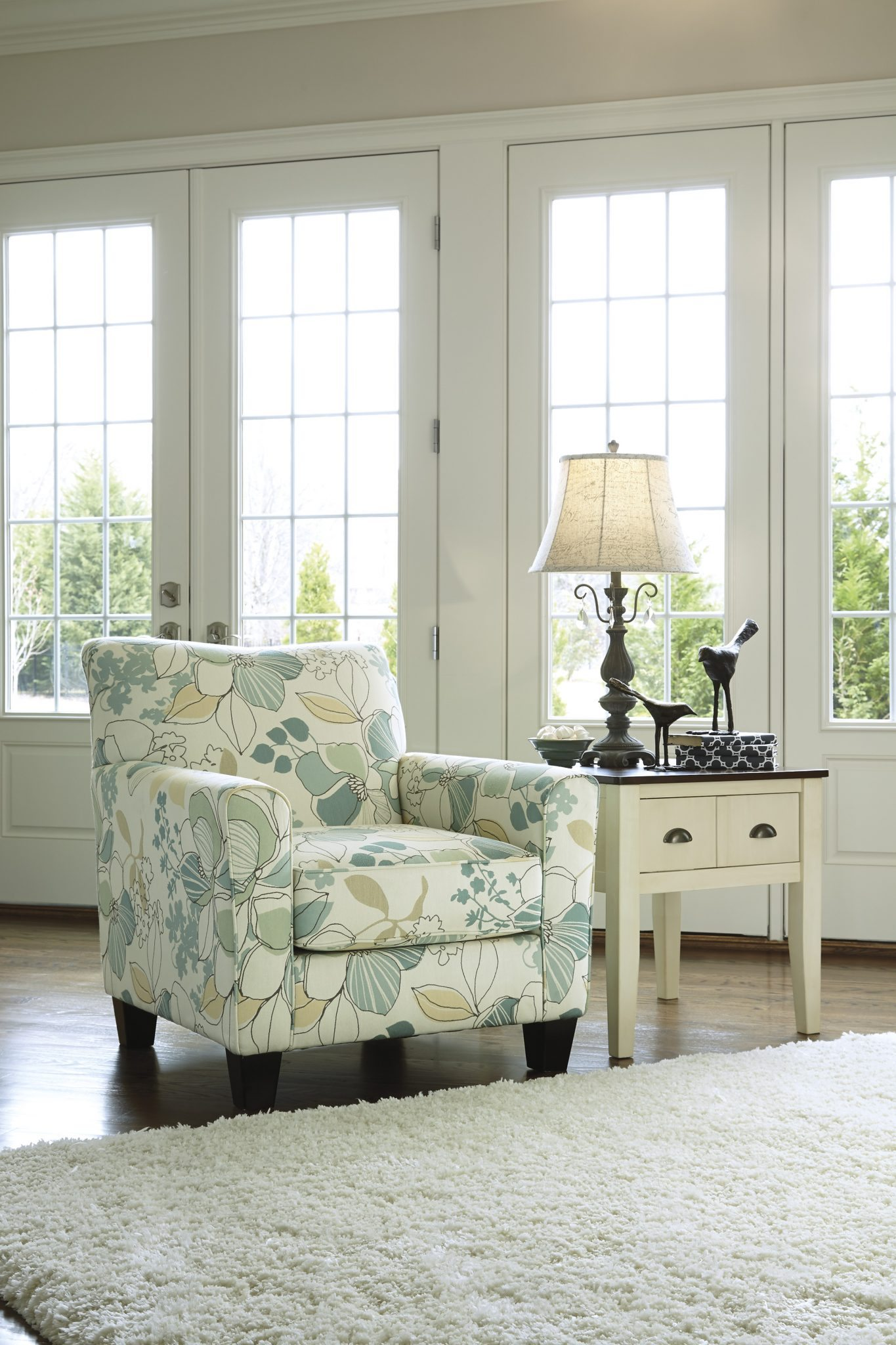 accent chair ashley furniture hutch sleeper sofa kerridon home reviews patio urbanology swivel toronto full size chairs small metal and glass table nest tables target side with