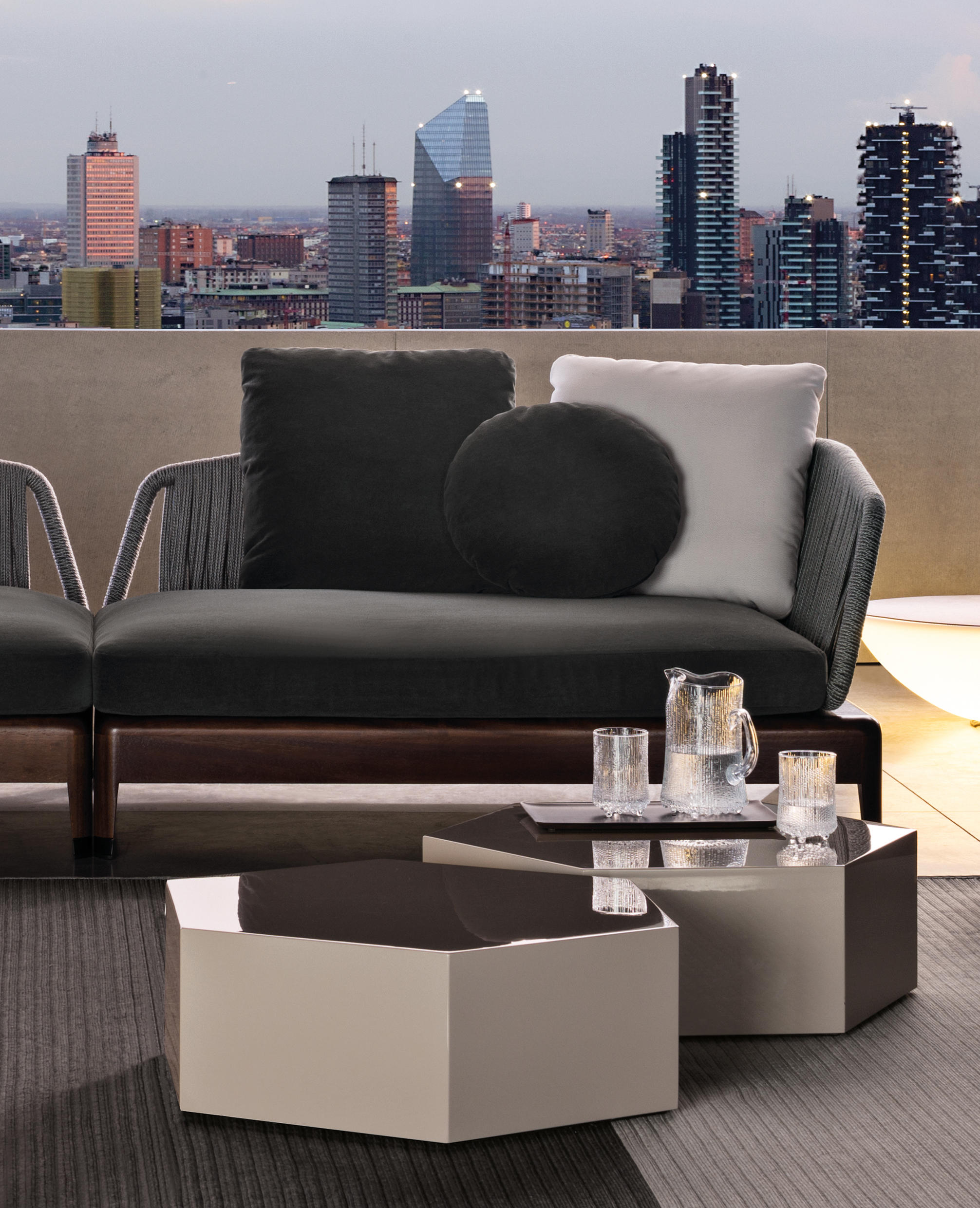 aeron outdoor accent tables side from minotti architonic table behind couch deck furniture set runner small drop leaf kitchen chairs brown end with drawers metal floor threshold