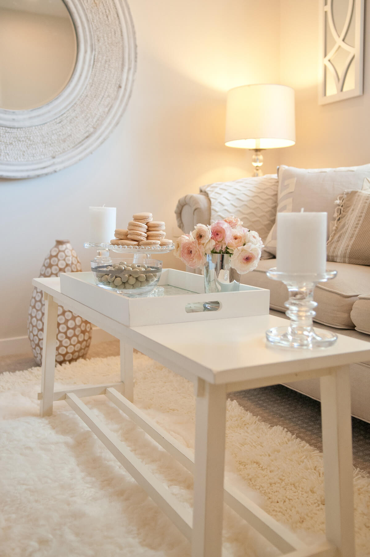 best coffee table decorating ideas and designs for homebnc accent decor champagne pink white cottage chic tray plain cloths storage with baskets pottery barn sawyer outdoor side
