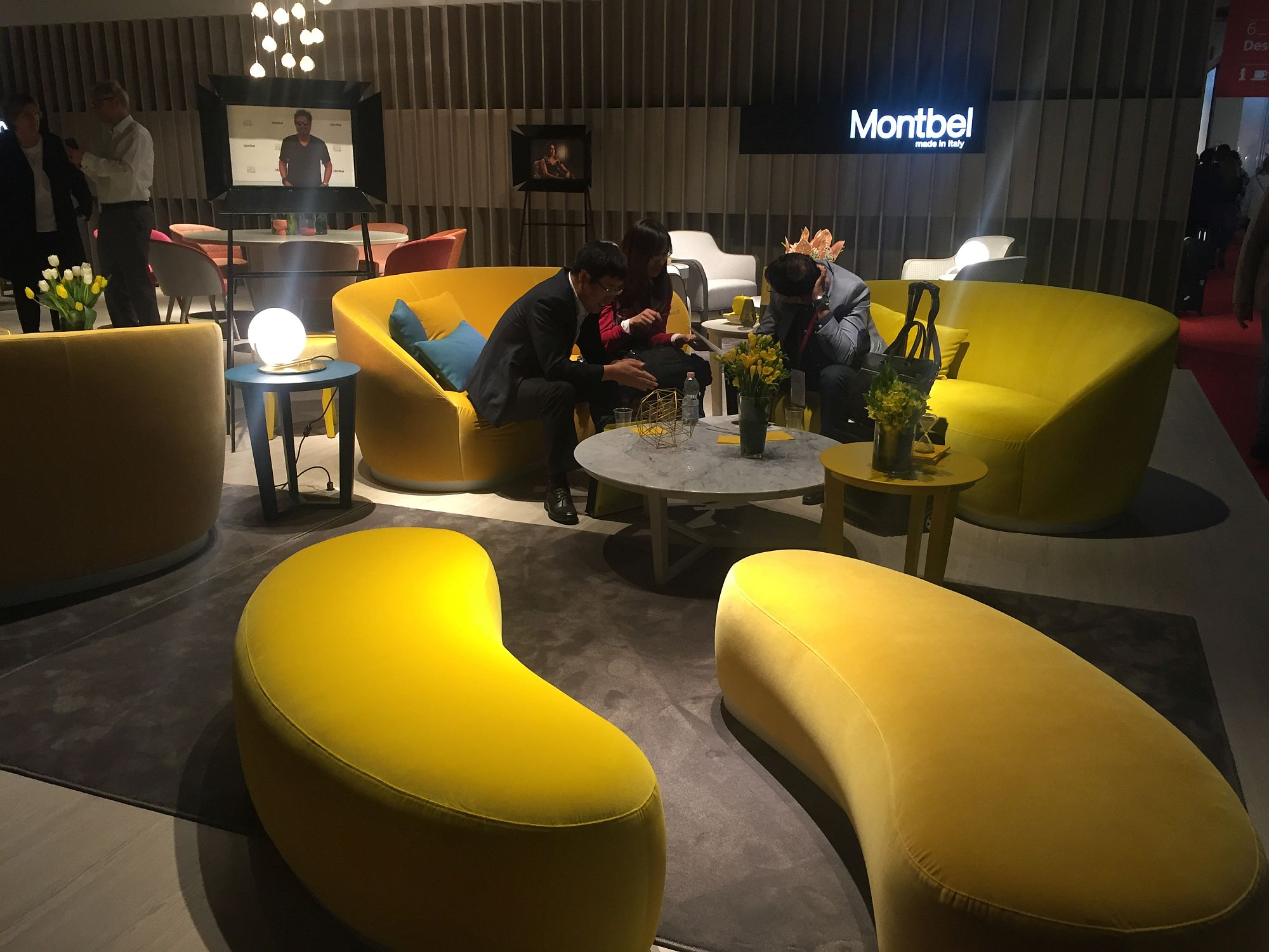 beyond neutrals ways create colorful living rooms schulweg info yellow room sofas coupled with smart modular setaing that doubles coffe table spaces accent tables coffee uttermost