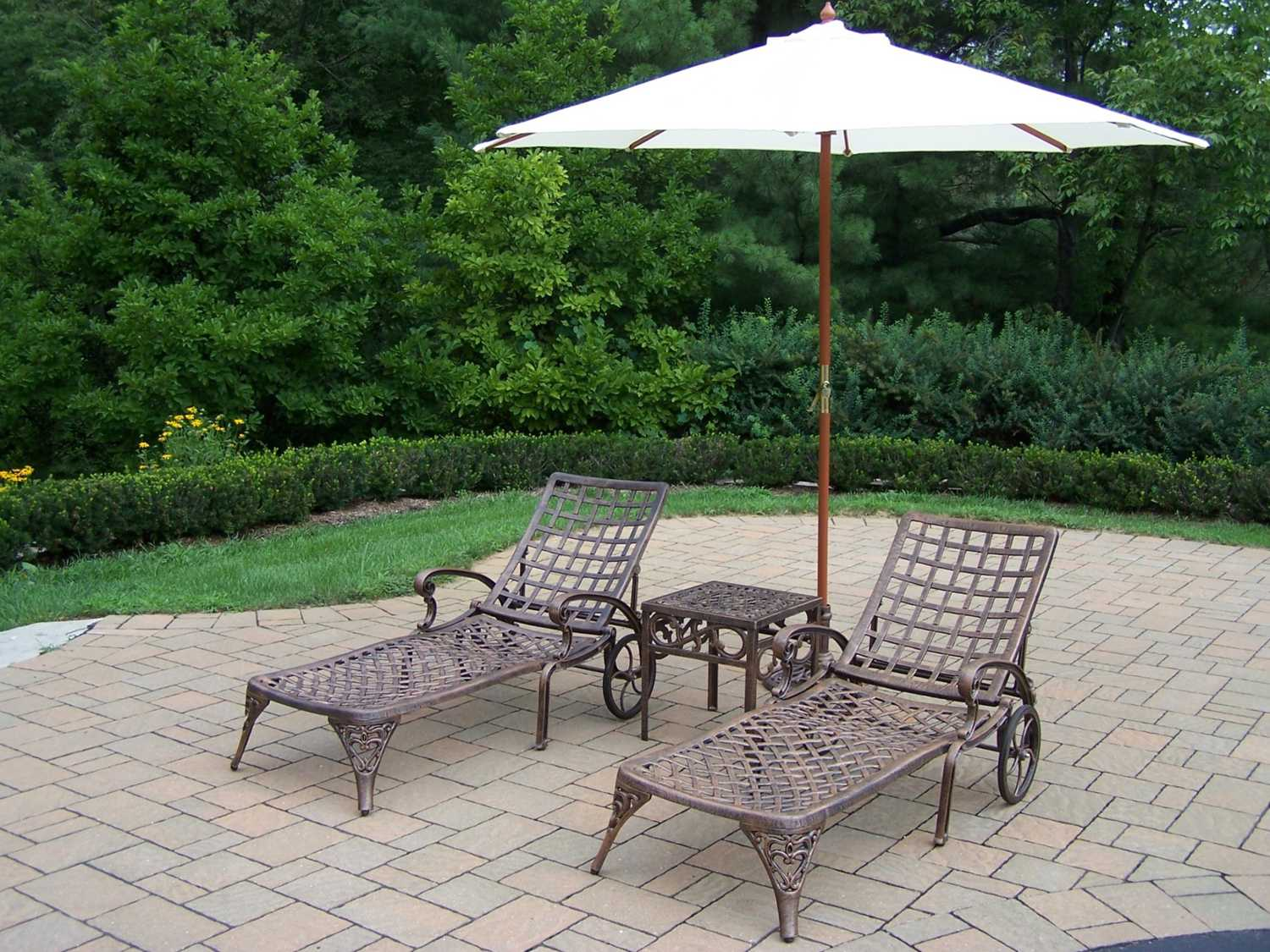 cast aluminum umbrella side table outdoor tablecloth for inch round accent rose gold console slim white marble cocktail pier papasan chair simple brooklyn furniture patio