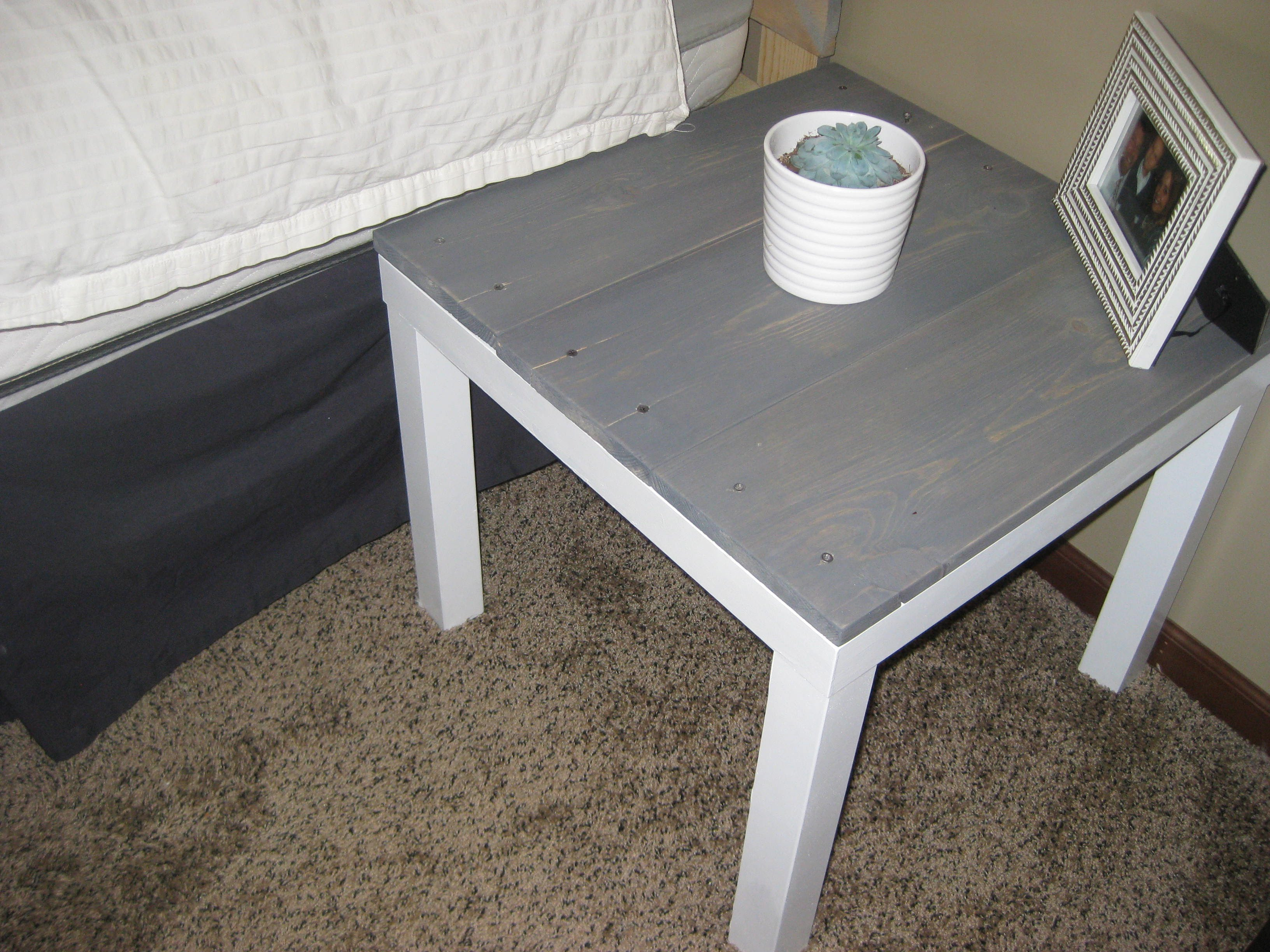 diy end table ikea hack for under cat litter box easy country runners hobby lobby accent tables gold sofa living room centerpiece round extendable dining and chairs turned monarch