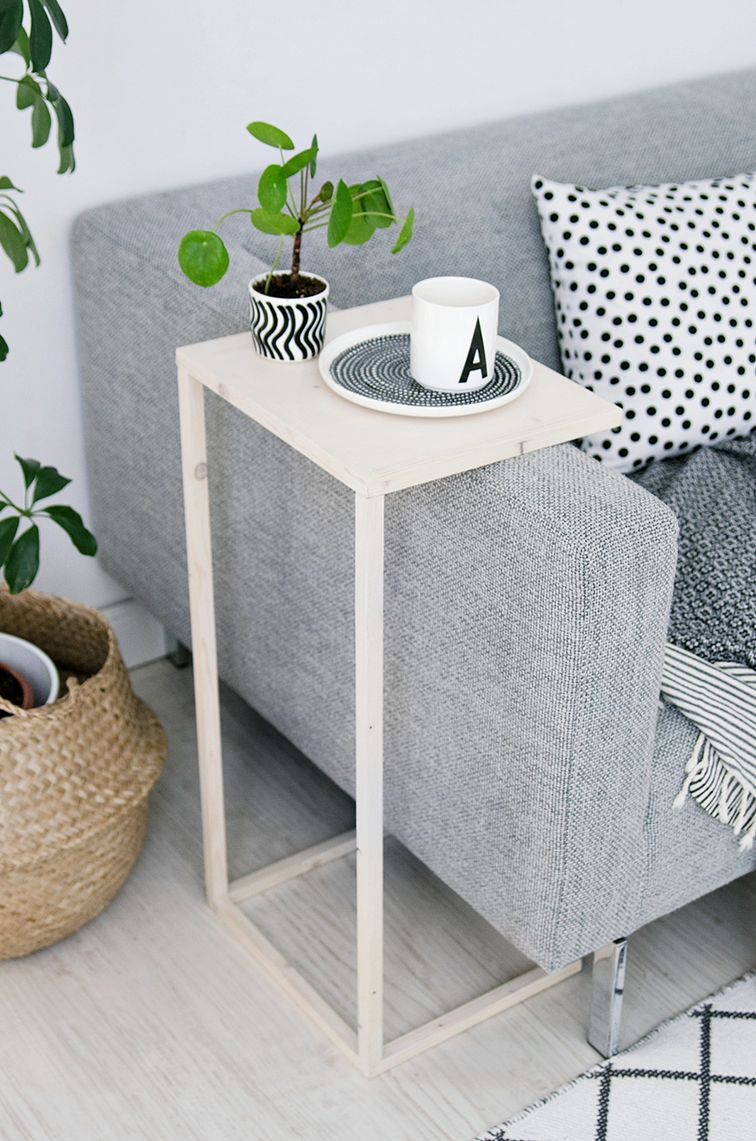 diy end tables that look stylish and unique space saving side table wire basket accent glass brass cocktail with power strip green mirrored console antique drop farm chairs black