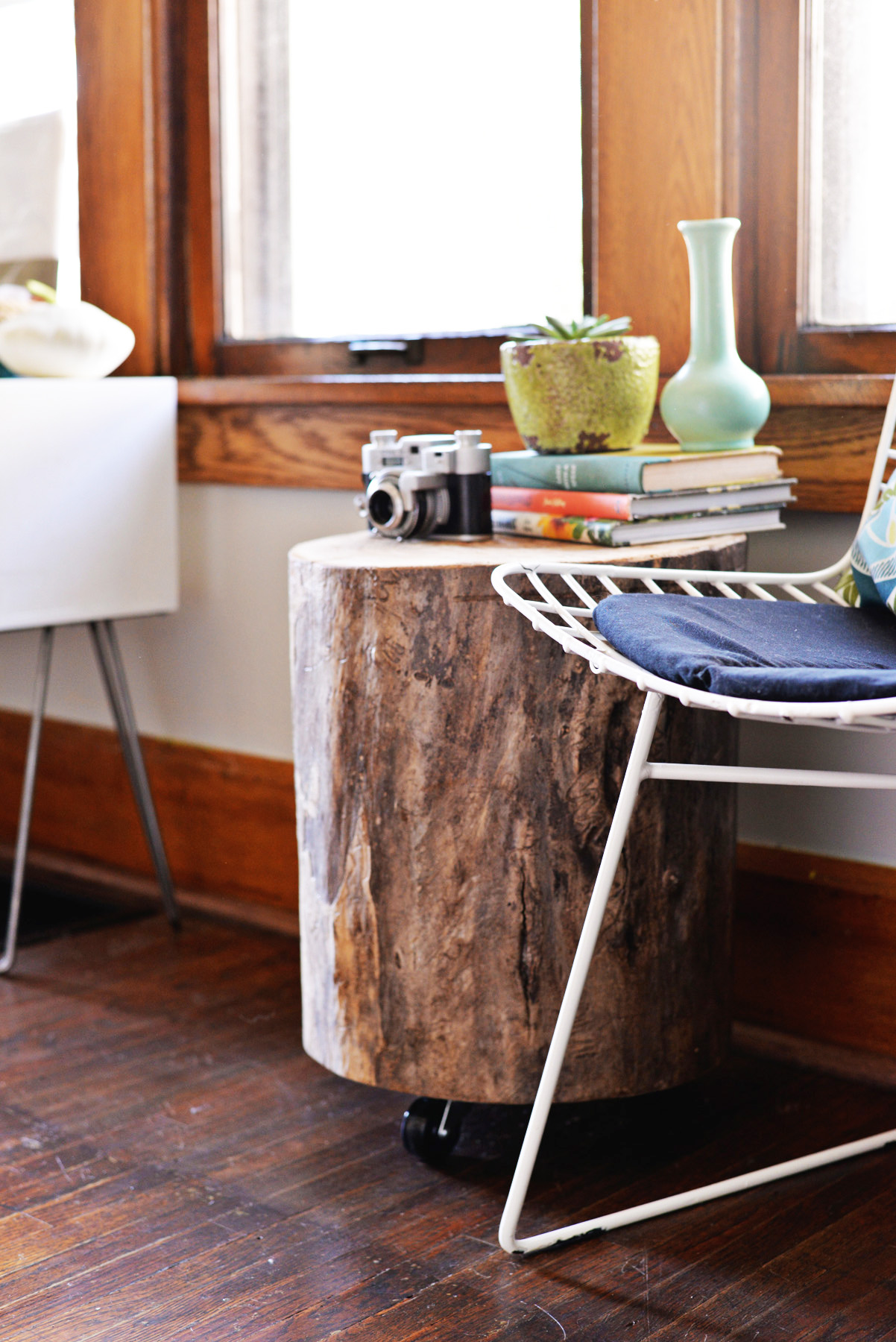 diy tree stump side table trunk accent reclaimed trestle stone coffee white wicker chair portable shade umbrella ikea storage solutions kitchen and chairs vintage bedroom small