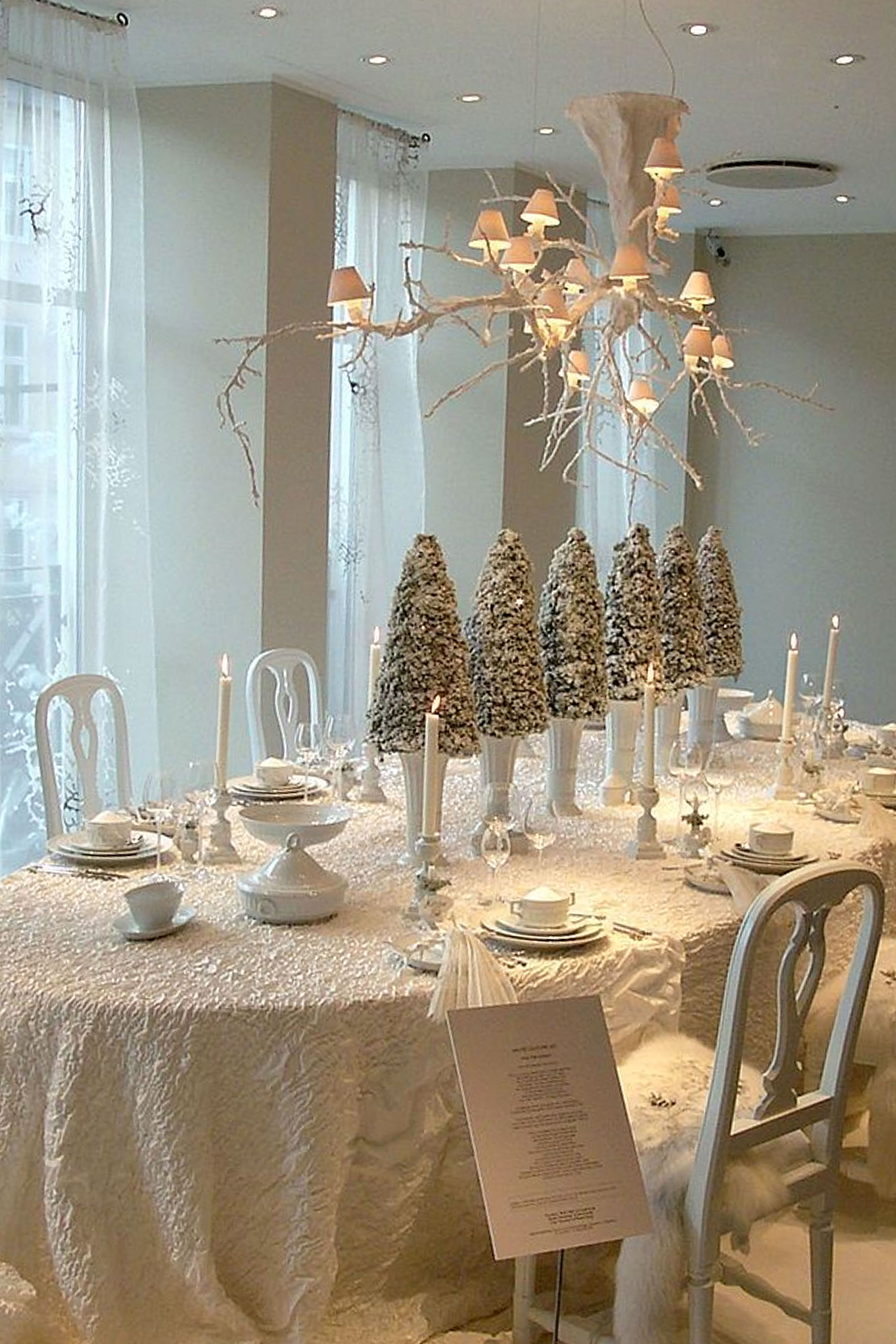 elegant christmas table settings stylish holiday centerpieces white round accent cloths tray target pottery barn entryway black brown end tables lamp shades for wall lights wood