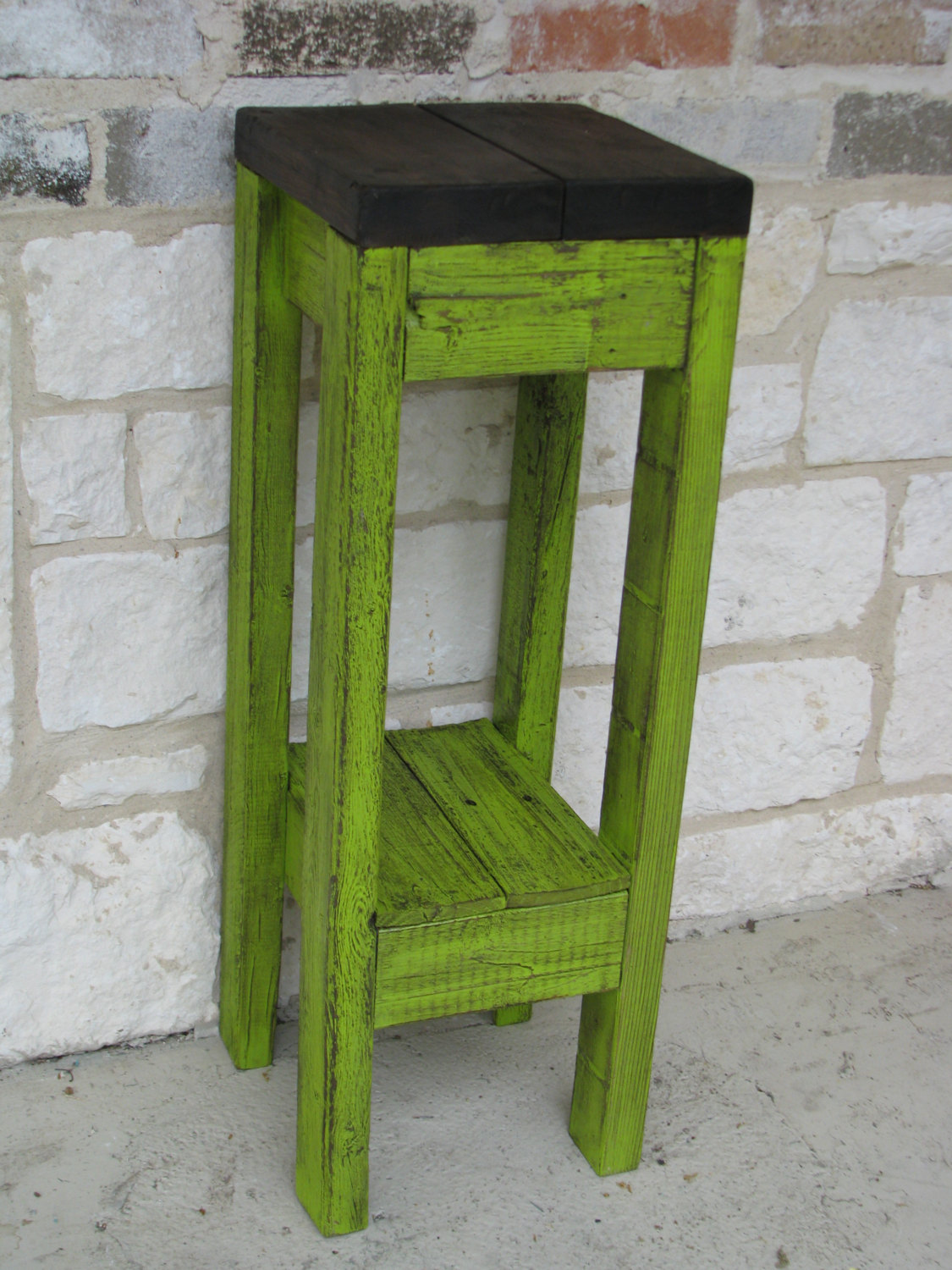 elegant green accent table with tables value city furniture incredible small end side laminate flooring doorway transition ott inch round plastic tablecloth wooden trestle large