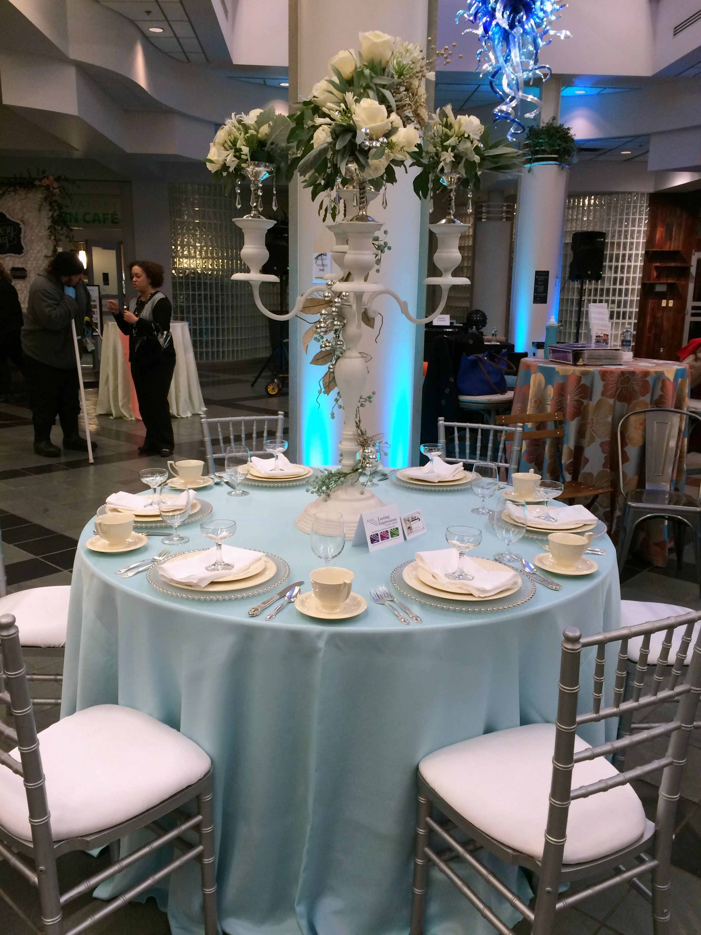 franklin park conservatory wedding showcase aqua bengaline linen artistic accents tablecloth mixed with silver ivory the table florals provided mikelle hickman romine patio chair