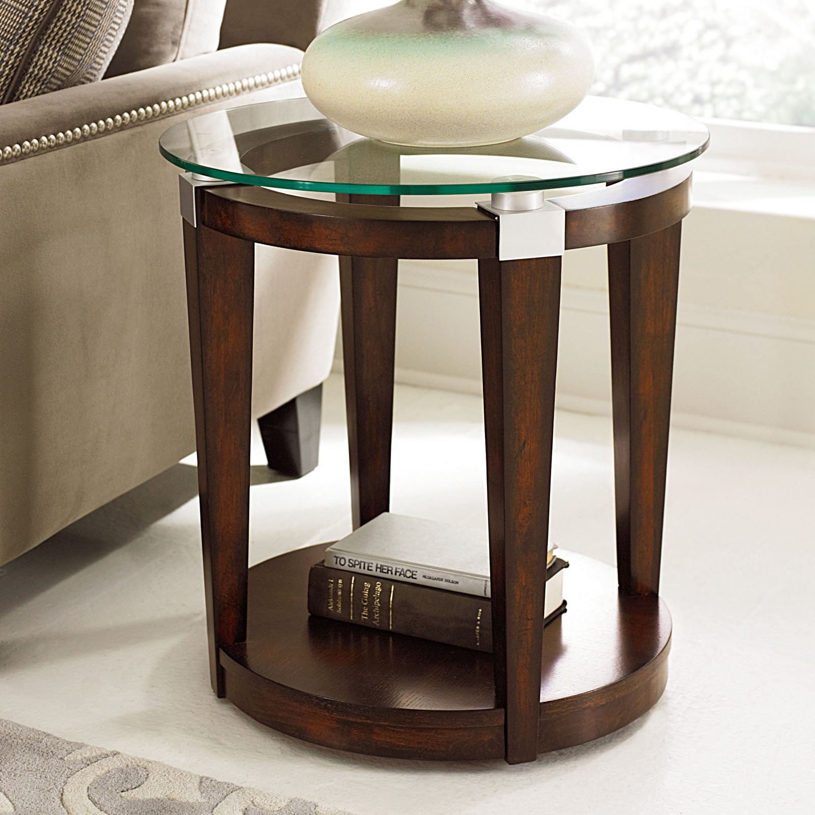 hammary solitaire round accent table rich dark brown master small end tables corner side ikea solid wood acacia dining woodworking plane big lots outdoor board game large modern