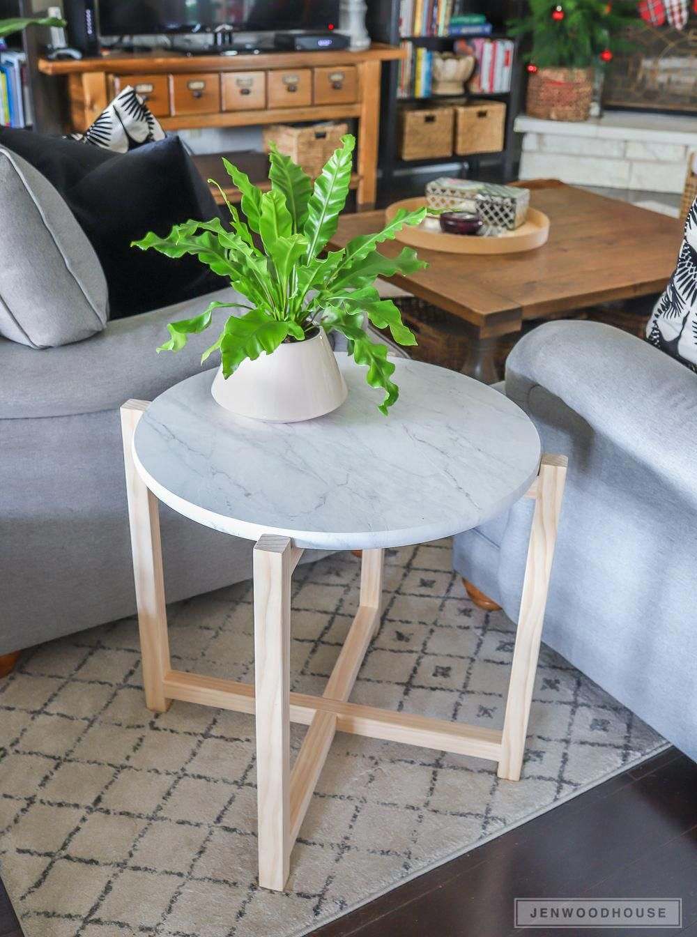 how make diy round marble accent table diywoodprojectseasycandleholders black dining modern home furniture blue and white oriental lamps ikea garden sheds small cube coffee tables