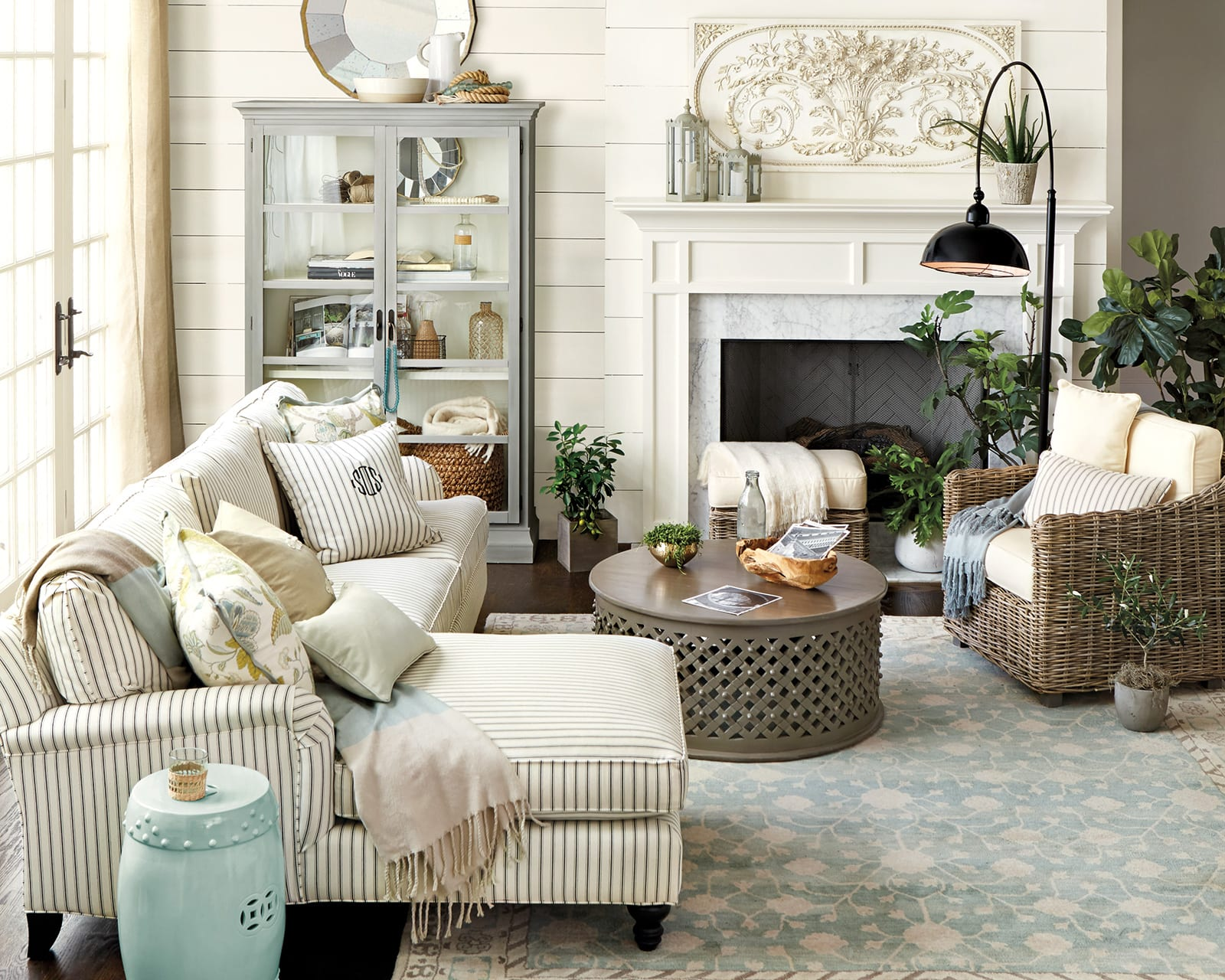 how match coffee table your sectional decorate wood accent five below matching sofa hampton bay lawn furniture all end tables ashley sofas small white round extension contemporary