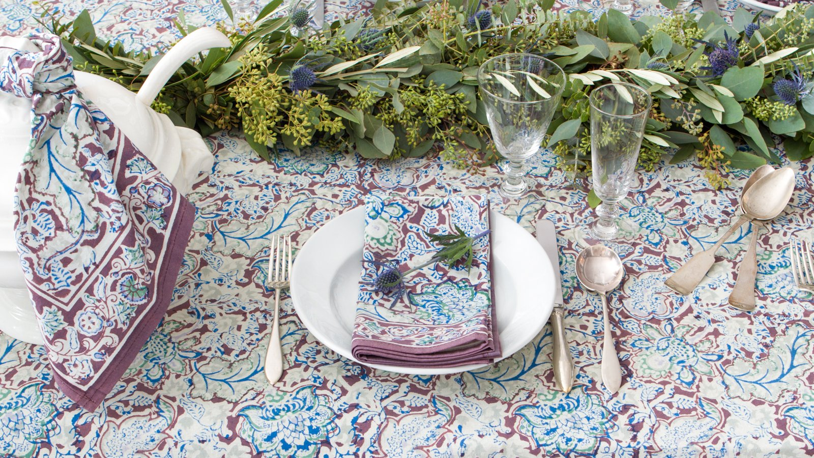 how set casual table couleurnature tablecloth blue and brown accent your focus runner straightforward doing prevents you from slipping into the habit eating small patio inch round