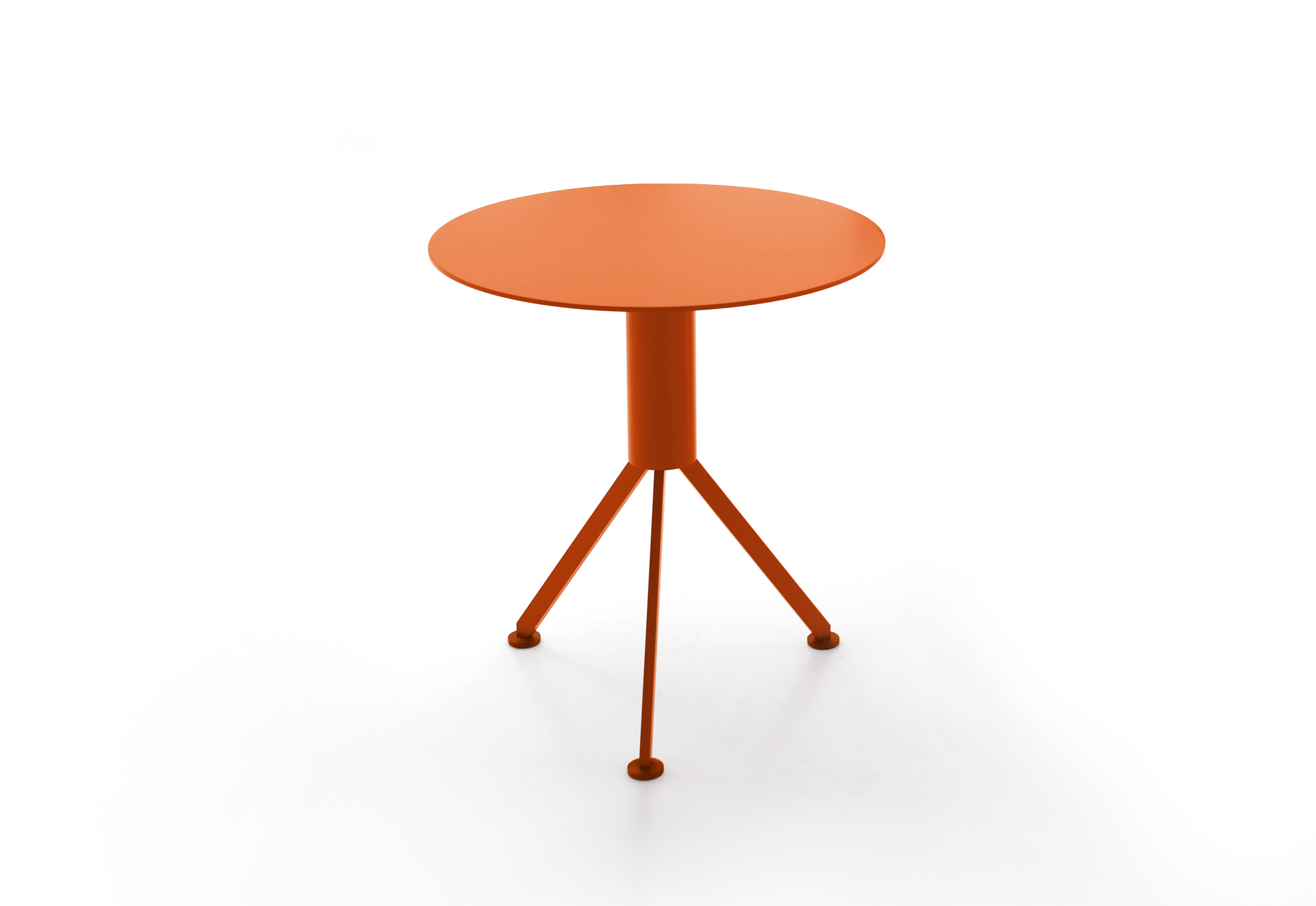 husk outdoor side table italia stylepark orange lamp design room essentials shelf bookcase sun umbrellas for decks corner bench dining ikea console round glass nest tables short