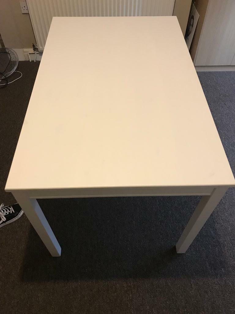 ikea dining room table with chairs nottingham city centre chawston oval accent nesting side tables outdoor patio furniture toronto little lamps pottery barn glass lamp small