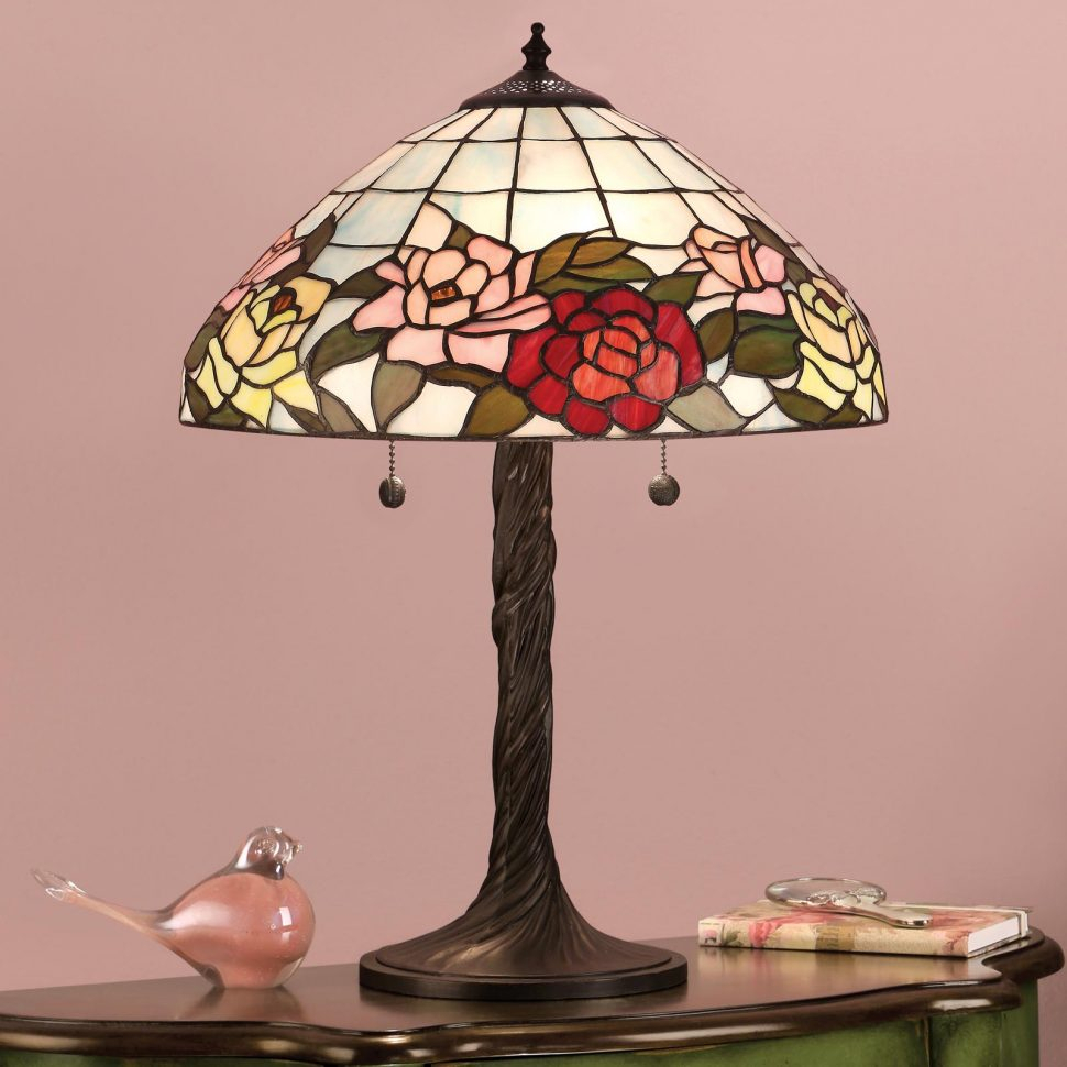lamp lighting tiffany accent table lamps with for inside stained glass shabby chic shelves tory burch pearl necklace wine colored tablecloth herman miller round tables living room