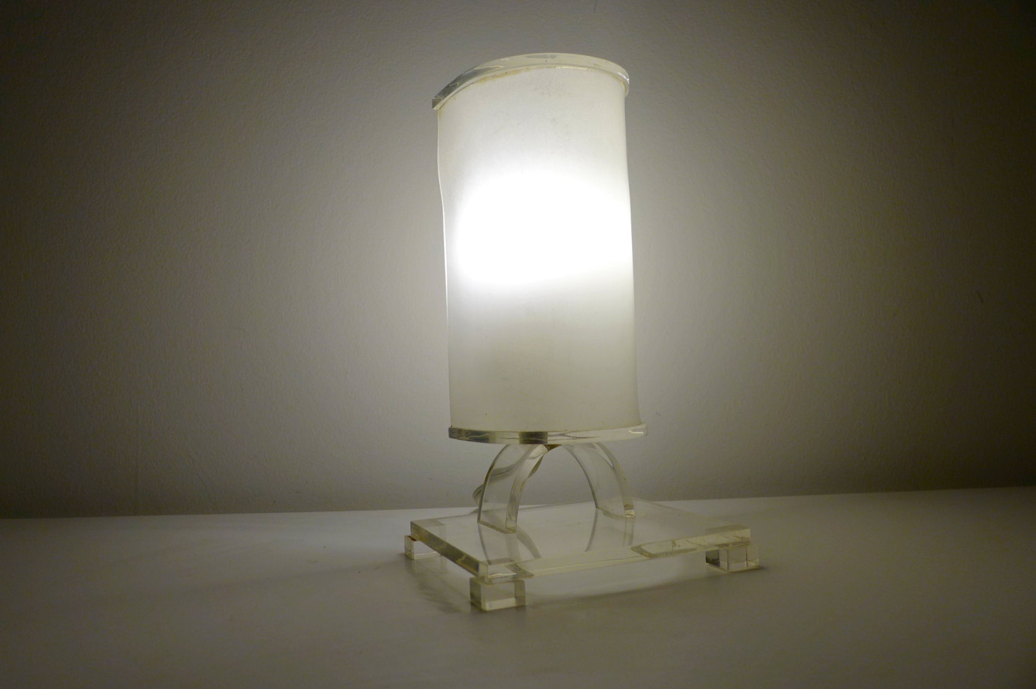 lucite accent lamp with frosted shade hollywood regency etsy fullxfull glass cylinder table marilyn monroe bedroom decor yellow chair nautical kitchen pendant lights hardwood legs