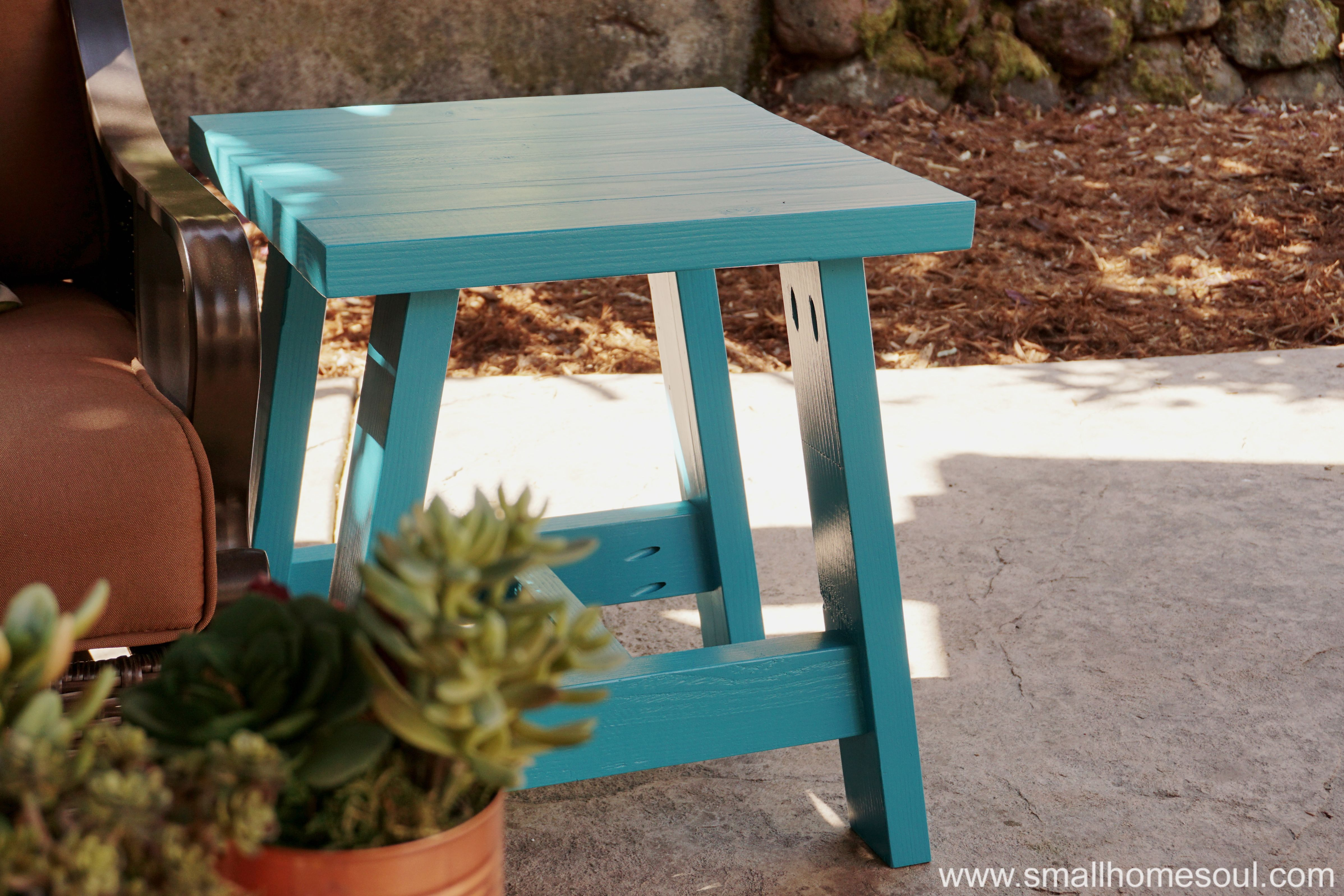 modern outdoor side table edselowners how choose patio blue accent clearance bedding small ikea brown wine cabinet furniture target tables wood butler coffee unfinished dining and