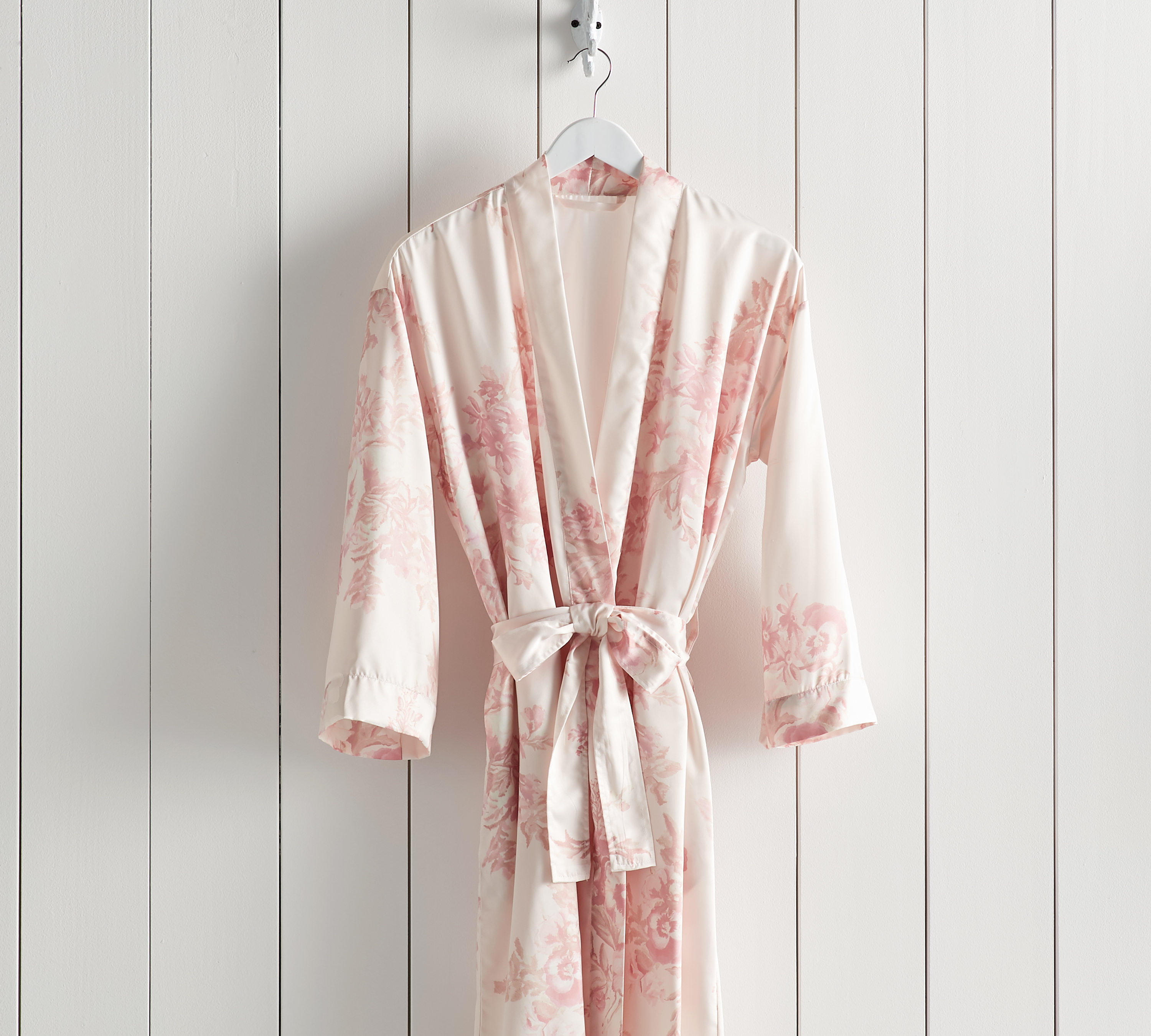 monique lhuillier new pottery barn collection must moniquelhuillierfloralkimonorobe flower accent table floral kimono robe for spring credit end reclaimed wood office furniture