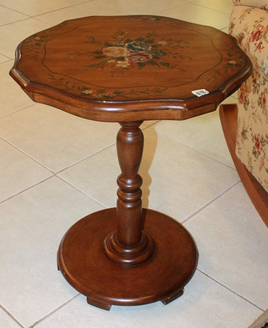 movin estate auctions lot faux wood accent table floral click below enlarge height bunnings swing set seagrass coffee foyer chest furniture crystal lamps behind the couch modern