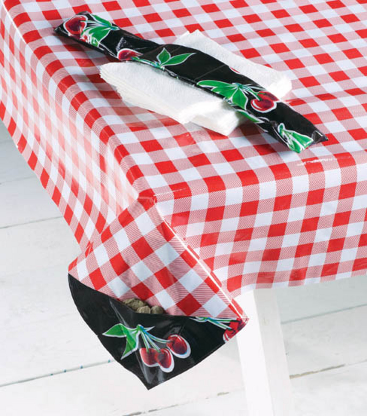 oil cloth nic table and napkin weight joann artistic accents tablecloth high end furniture companies marble office black metal stools silver white lamp ikea glass top patio modern