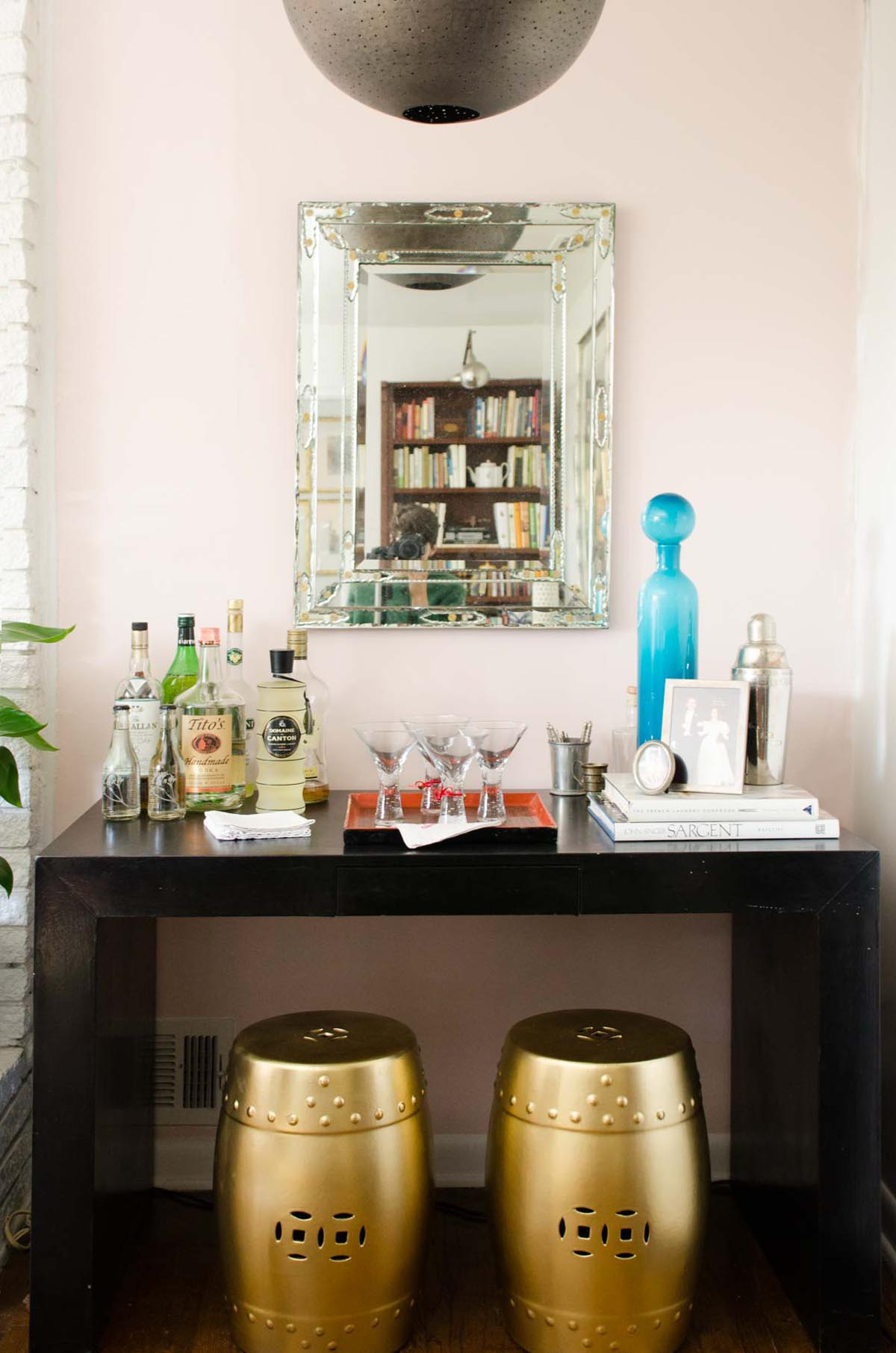 one room challenge living reveal thou swell dsc nate berkus glass agate accent table black parsons bar with pink wall and gold garden stools thouswellblog upcycled dining chairs