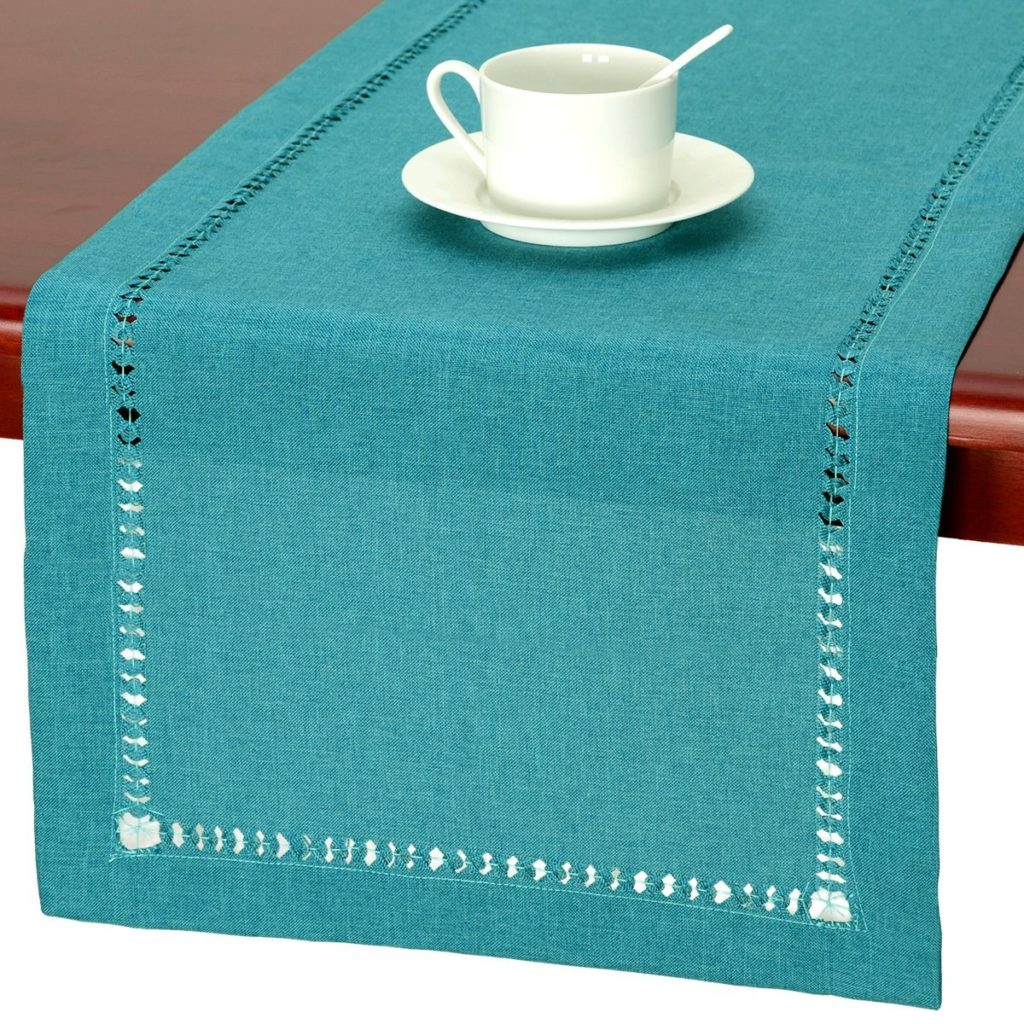 pretty table linen ideas for ture perfect parties taste home accent your focus runner eastern nights white folding side with tray patio outdoor storage cabinet owings target green