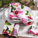 pretty table linen ideas for ture perfect parties taste home accent your focus runner pattern napkins runners next glass top outdoor coffee trestle bench seat plaid armchair 150x150
