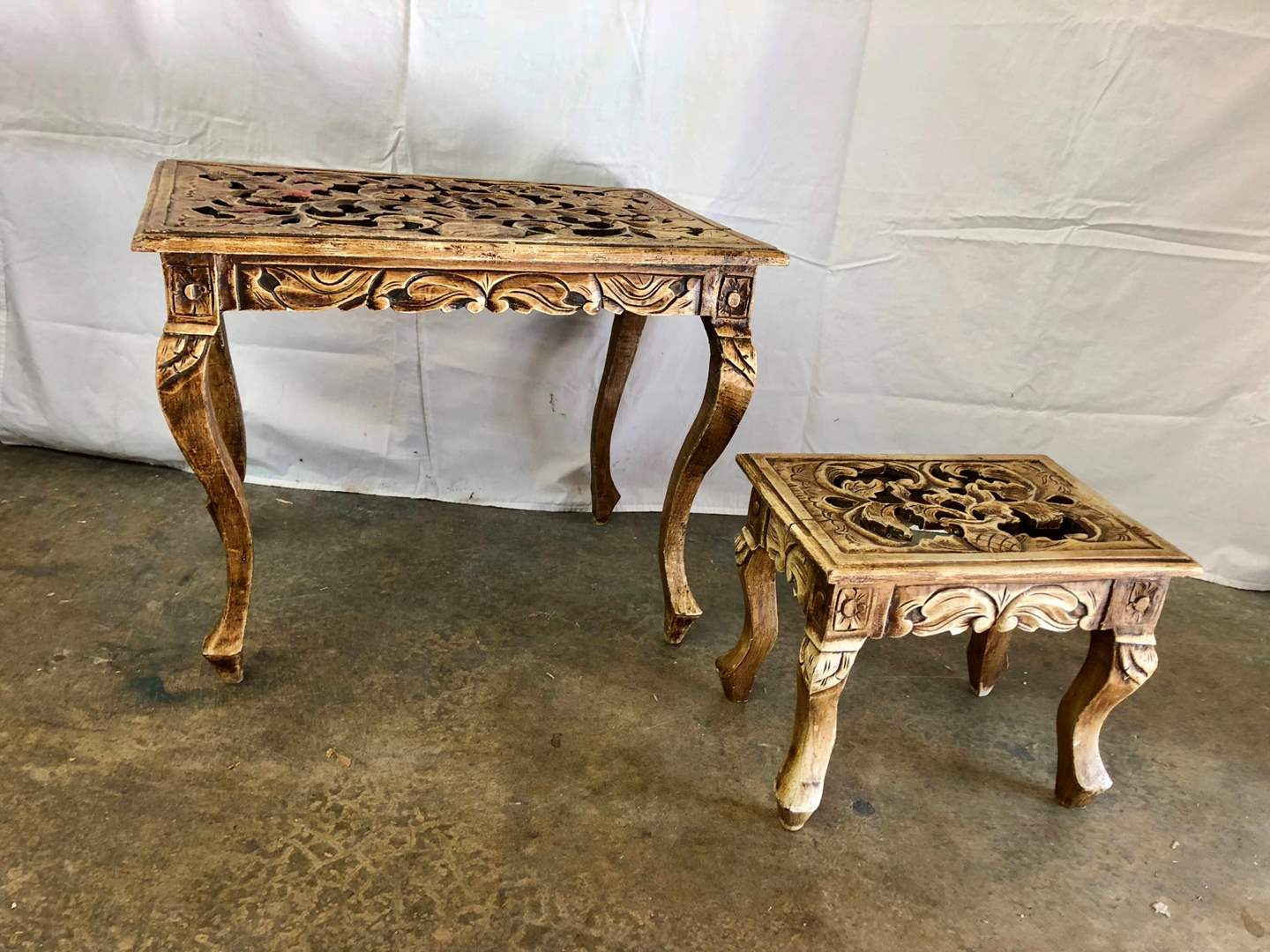 puget sound estate auctions lot two vintage carved wood accent table click below enlarge turquoise patio umbrella wire end mosaic outdoor and chairs mini desk trestle dining white