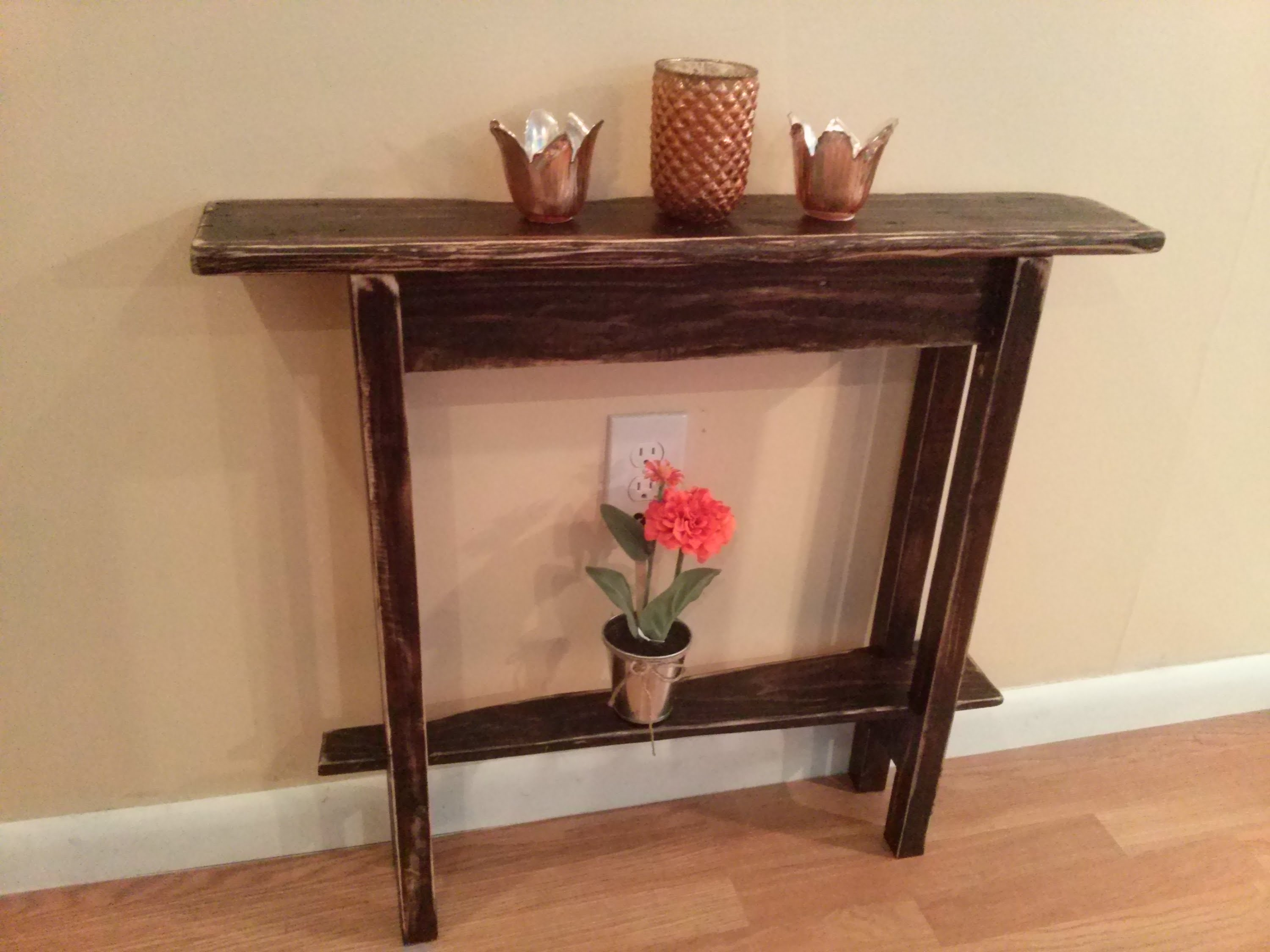 red and gold table runner the fantastic free rustic pallet end woodworking accent maker video tables stone outdoor side diy farm plans with power dining chairs for small spaces