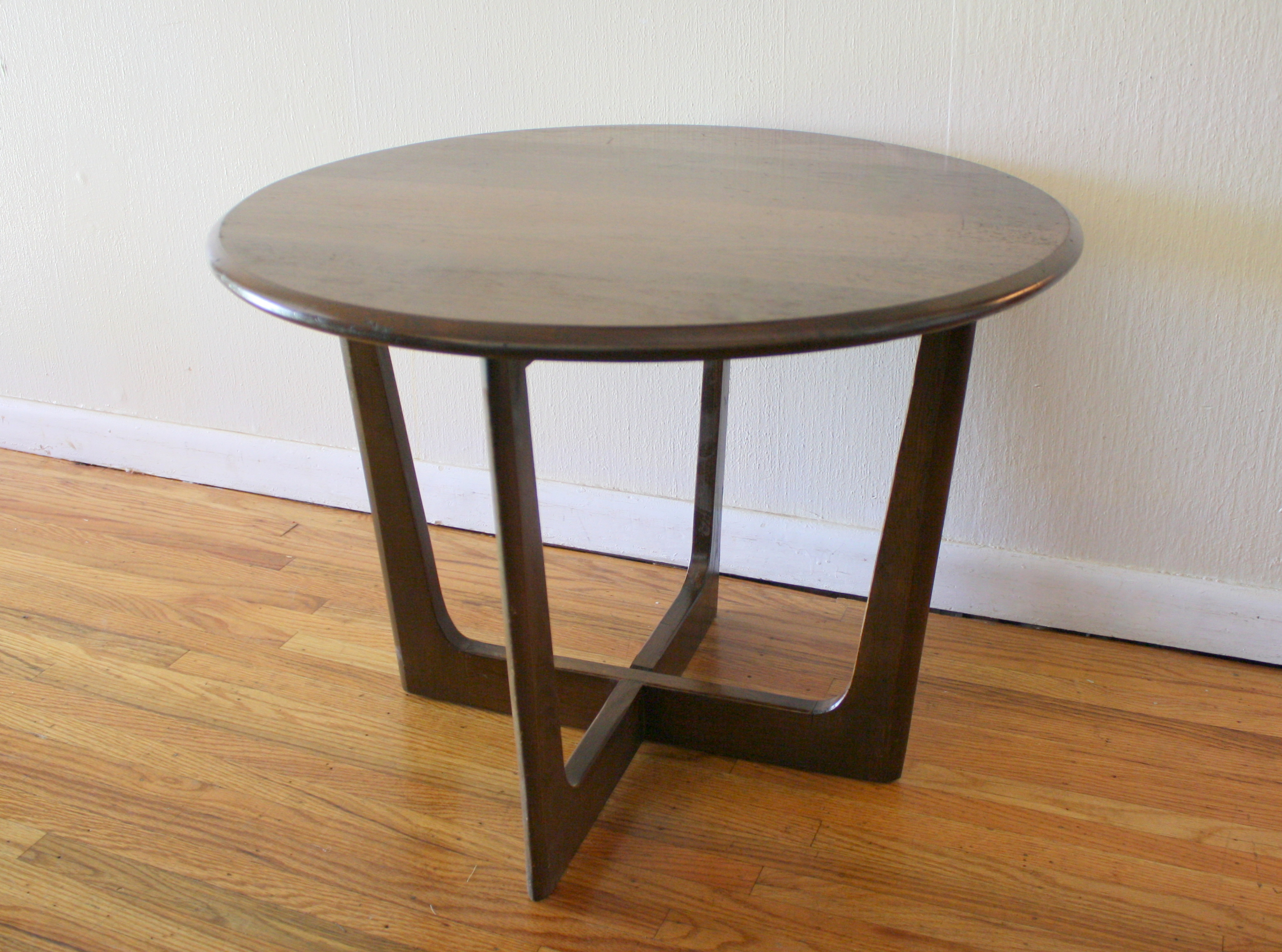 round ked vintage mcm cross base side table end sauder milled cherry panel used furniture cloths wood accent pull out broyhill chairside with usb small attached lamp camouflage