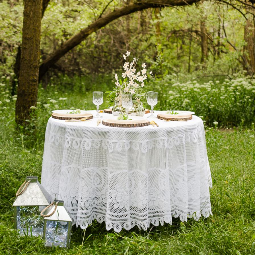 round white lace tablecloth dsc accent table skirts outdoor rehearsal dinner slim hallway cabinet cool dining room chairs wide side with metal legs rattan patio furniture narrow