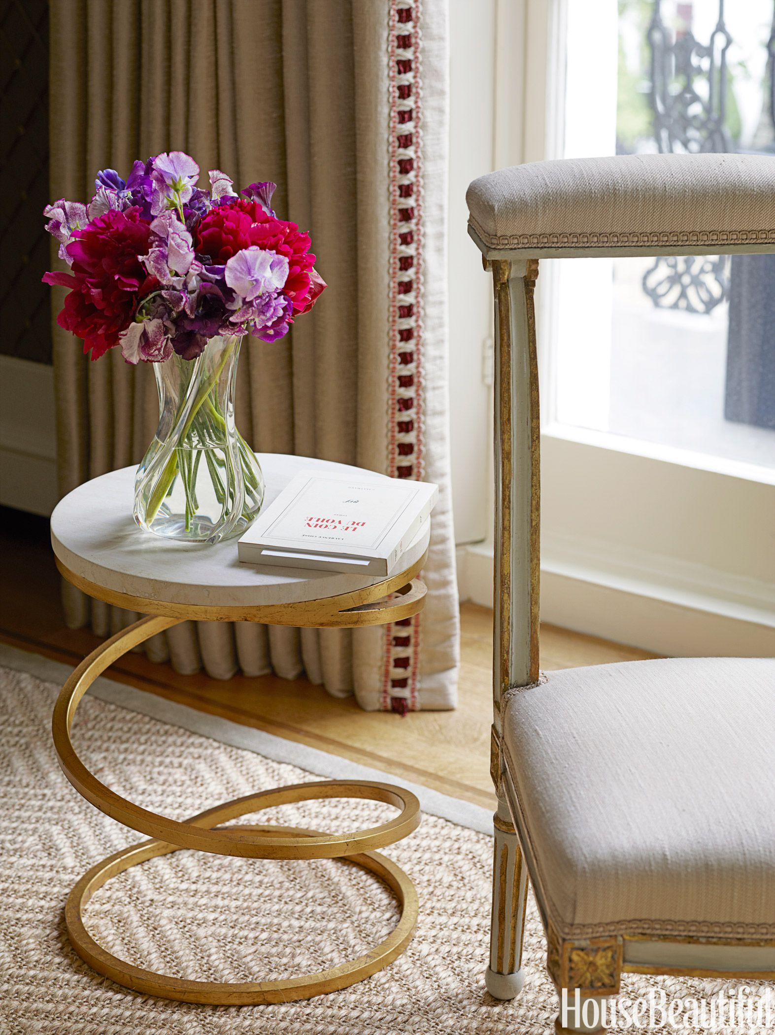 small accent table ideas best tables for living rooms hbx gold marble pink target threshold drawer light bulb changer pole nautical outdoor lighting pottery barn bookcase dinner