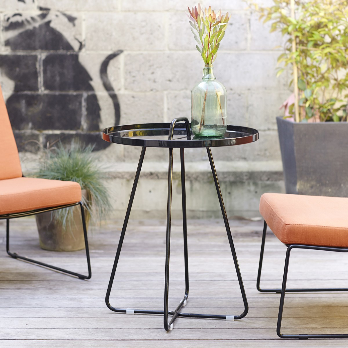 small round metal outdoor side table patio garden outside orange crosley retro pier imports dining grey marble black kitchen set hairpin accent desk lamps setting rose gold short