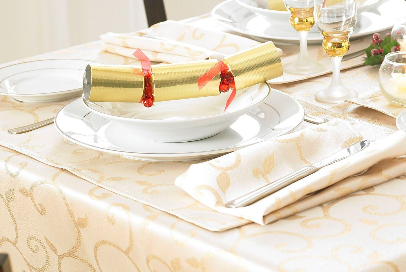 square licious tablecloths tablecloth kmart tree white inch tables linen sizes standard patio plastic astounding dollar linens accent cotton vinyl table large round target inches