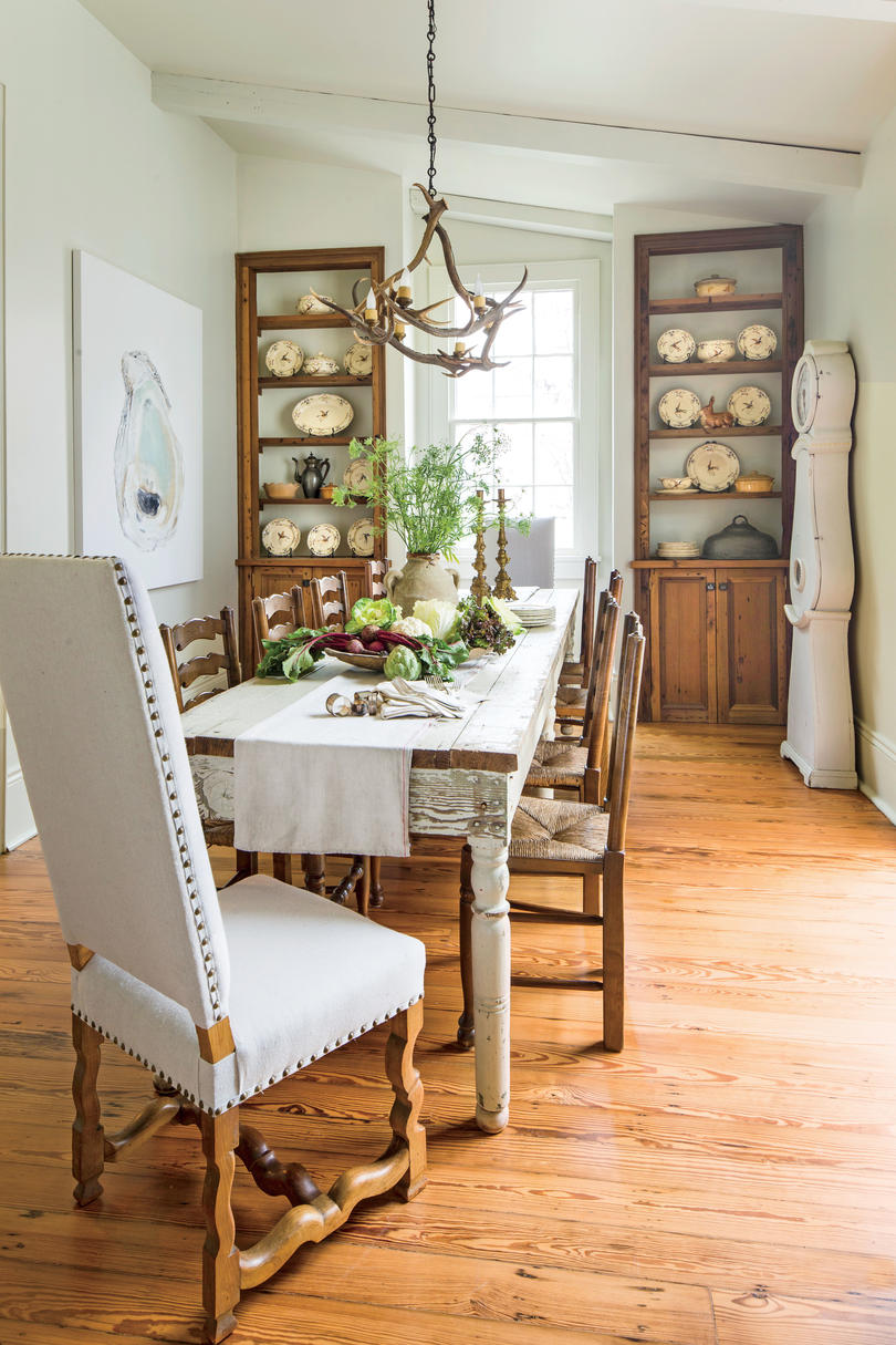 stylish dining room decorating ideas southern living corner accent table for layer neutrals relaxed look garden furniture chairs cast iron patio target red cabinet console mirrors