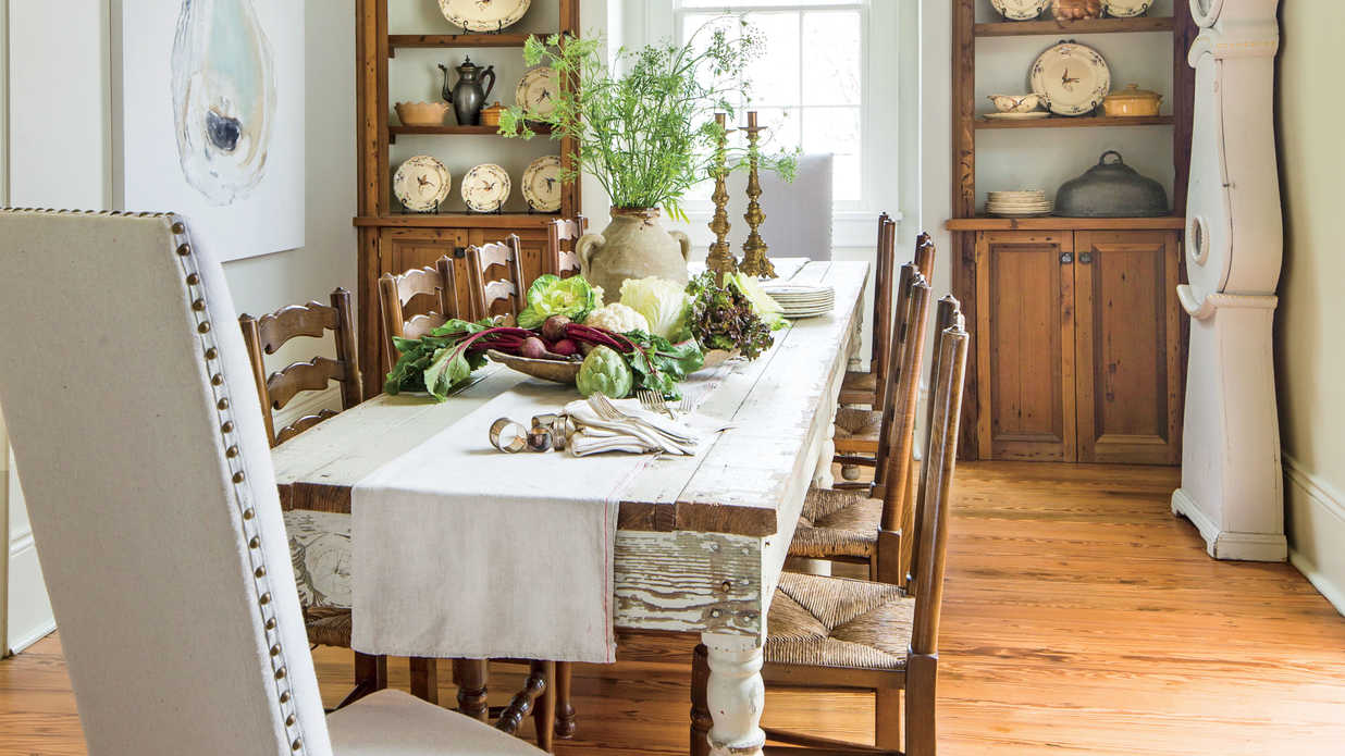 stylish dining room decorating ideas southern living table accent pieces wood patio end italian marble coffee antique pallet glass with shelf decorative chairs shower curtain rod