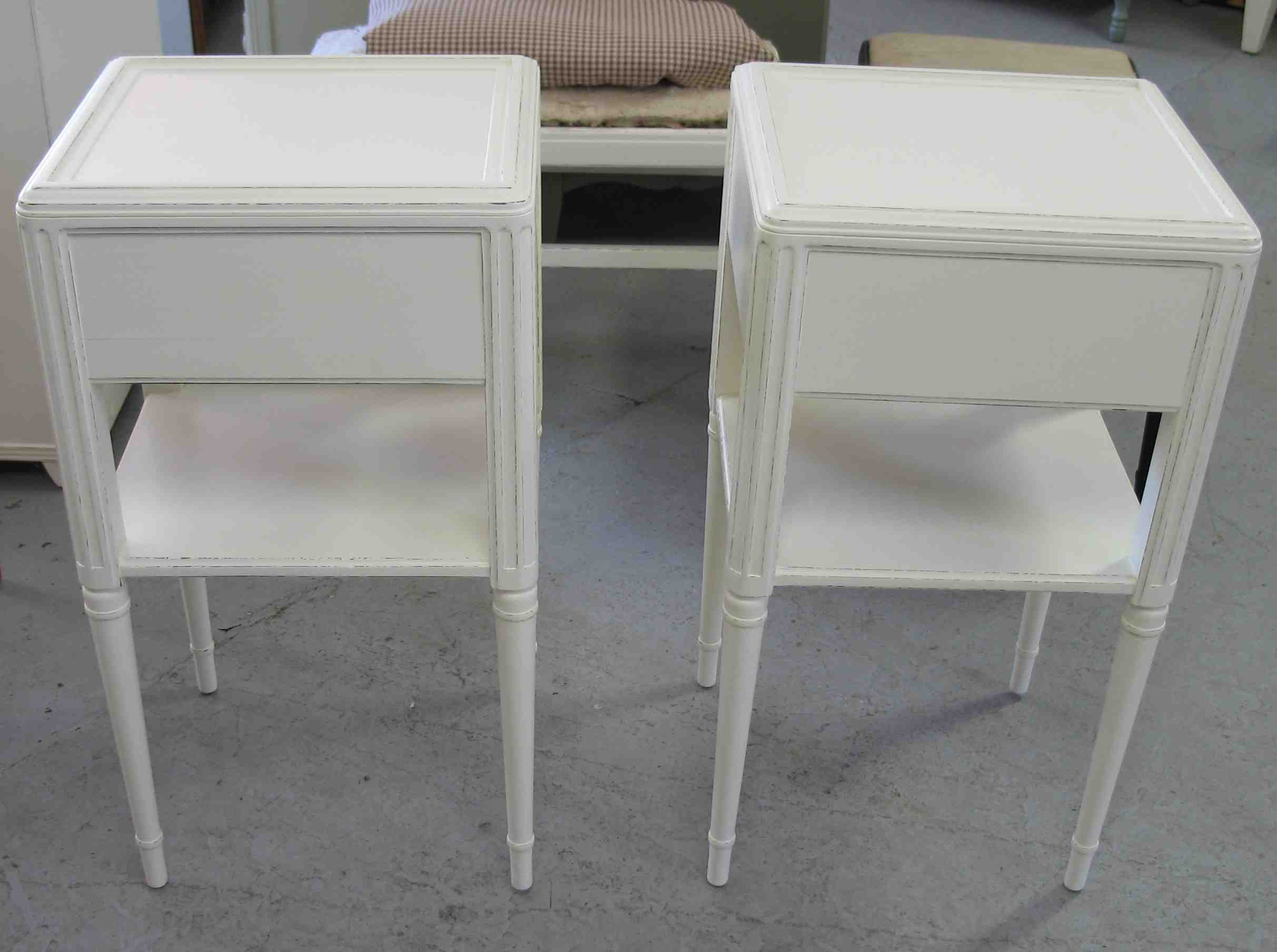 tables outdoor threshold for target living antique storage bench modern glass furniture white tall ott cabinet and room round kijiji accent table vintage finish full size ikea