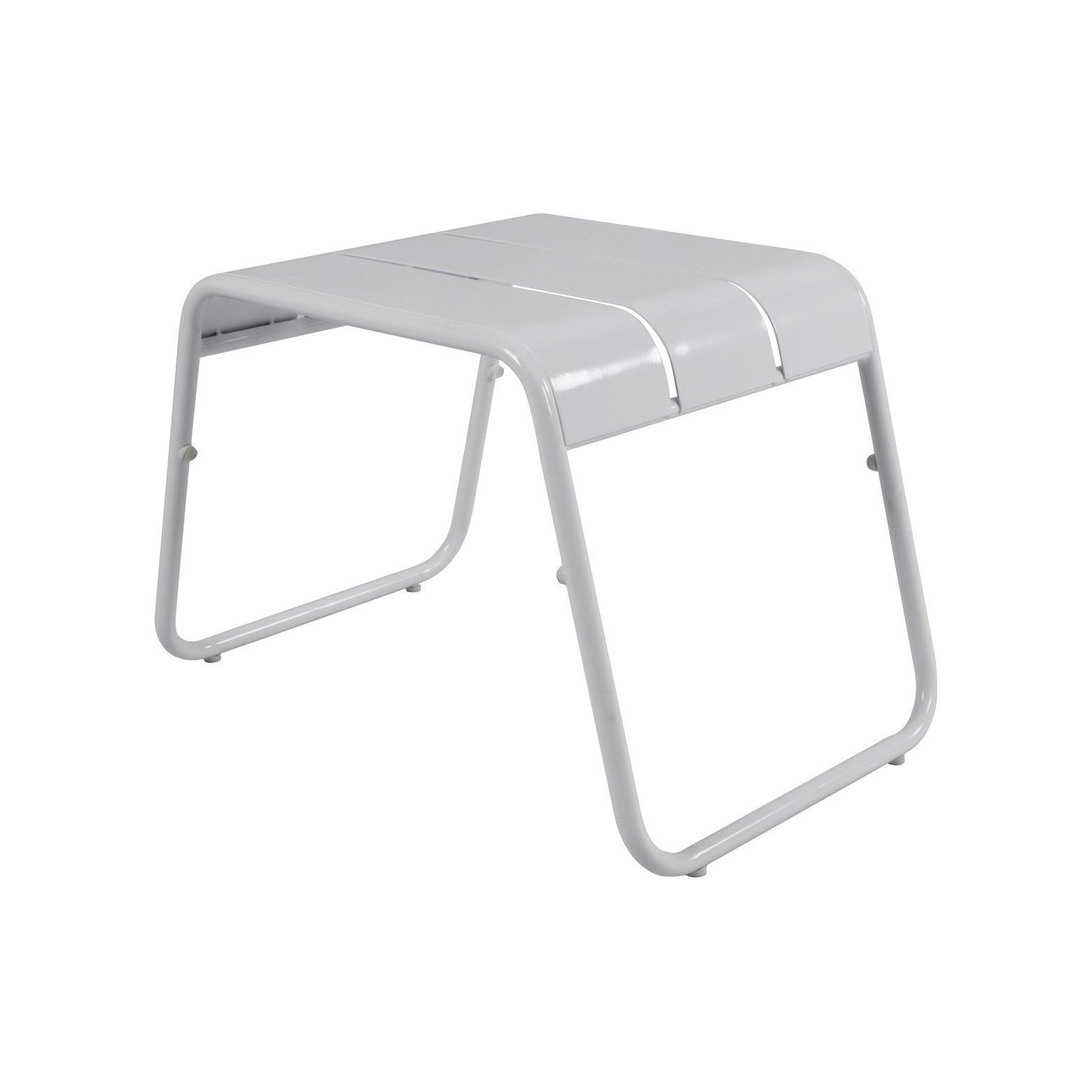 the room essentials metal accent patio table white your outdoor space for sets backyard gazebo mosaic tile side designer lamp tables modern round wood coffee cherry dining bar top