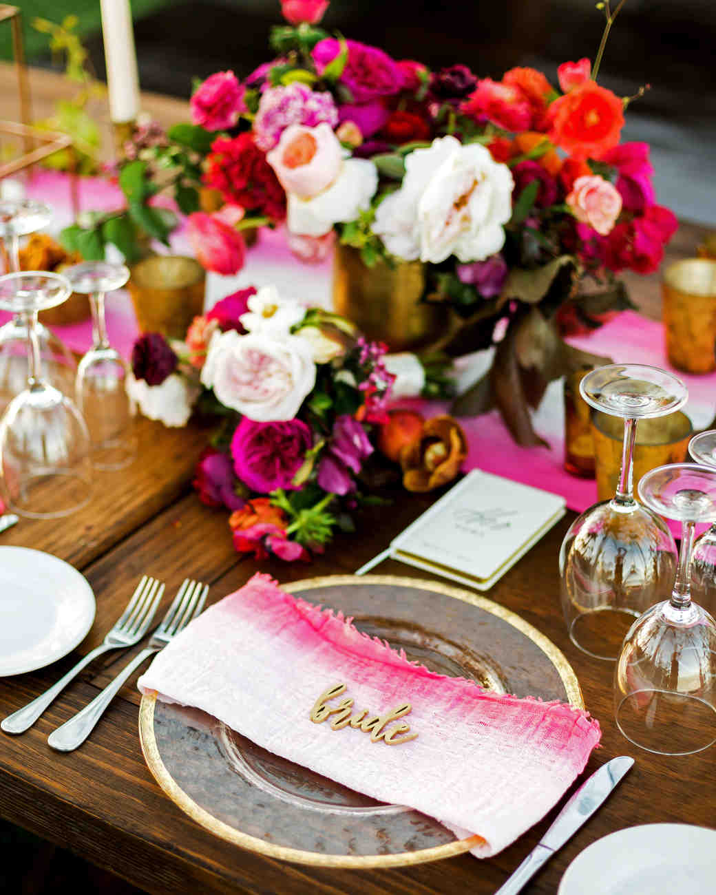these statement linens will take your wedding reception the next ana and jerome vert artistic accents tablecloth level martha stewart weddings black metal stools high end