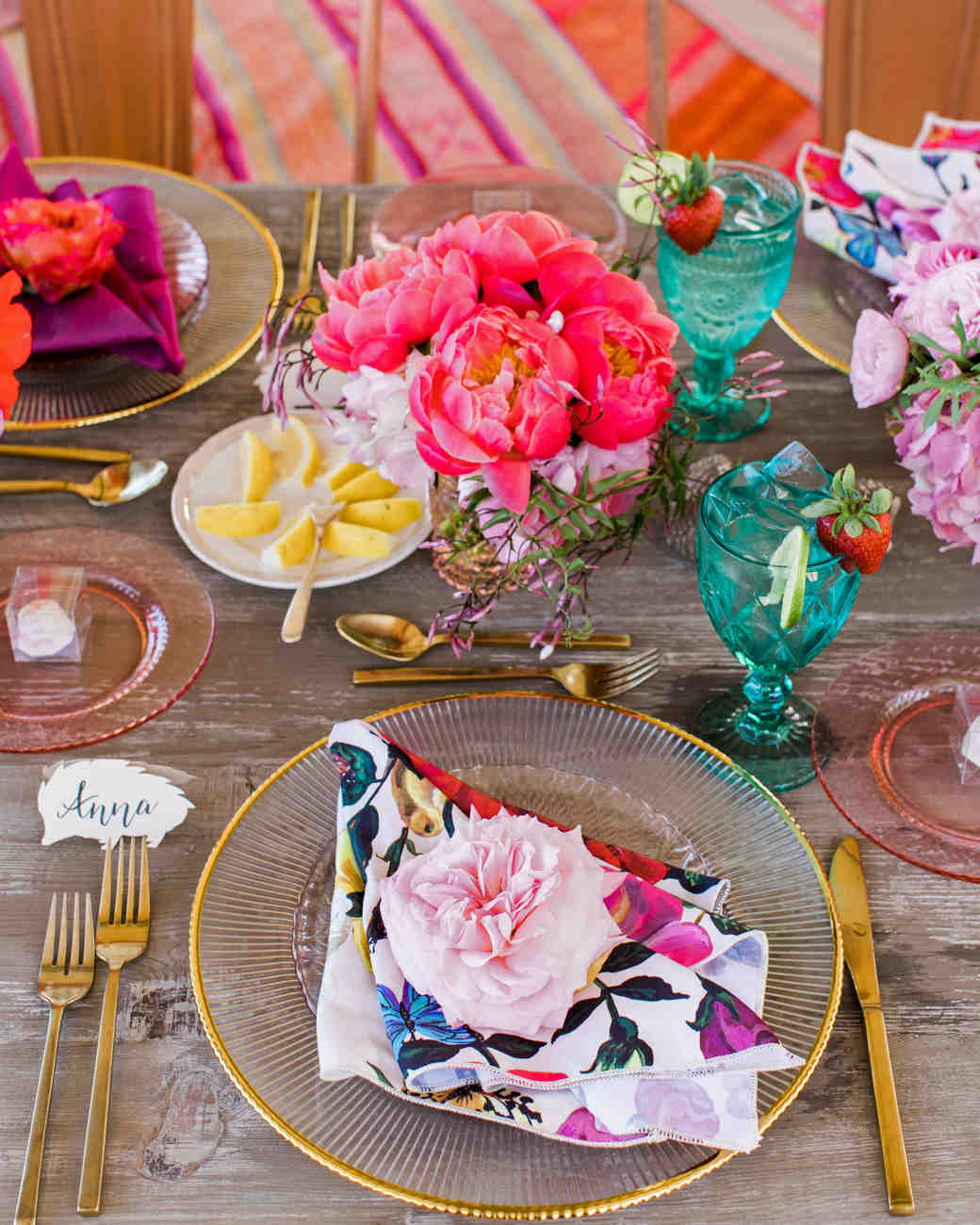 these statement linens will take your wedding reception the next brett hickman vert artistic accents tablecloth level martha stewart weddings christmas table runner and placemats