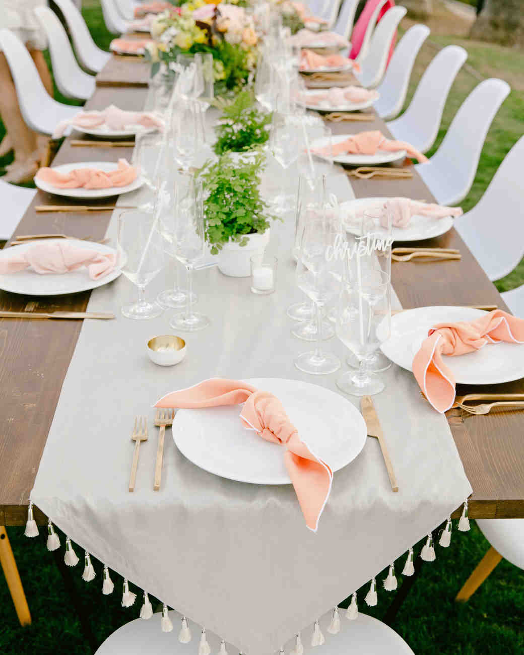 these statement linens will take your wedding reception the next jenn emerling vert artistic accents tablecloth level martha stewart weddings home items foldable outdoor side