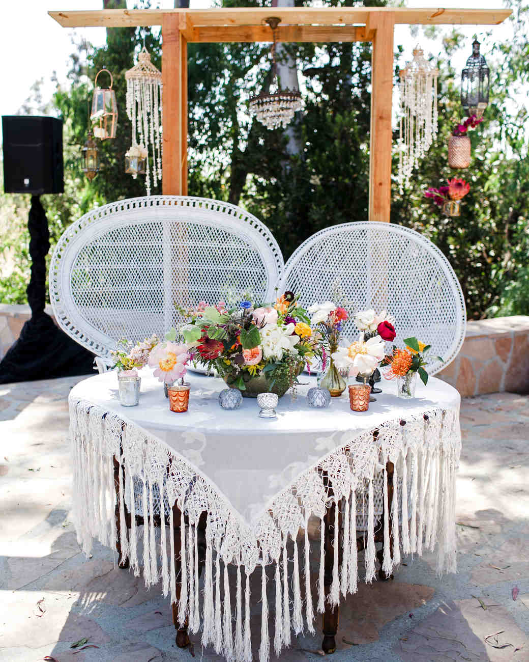 these statement linens will take your wedding reception the next love janet vert artistic accents tablecloth level martha stewart weddings hammered metal coffee table christmas