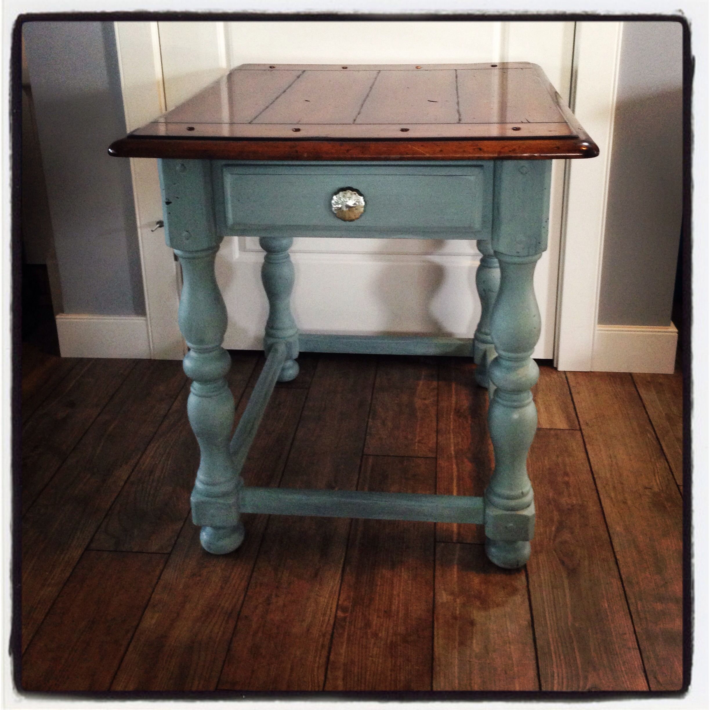 this gorgeous solid wood accent table has elegant yet rustic look dark blue the base been finished soft and sealed with clear wax corner curio decorative inch round covers bench