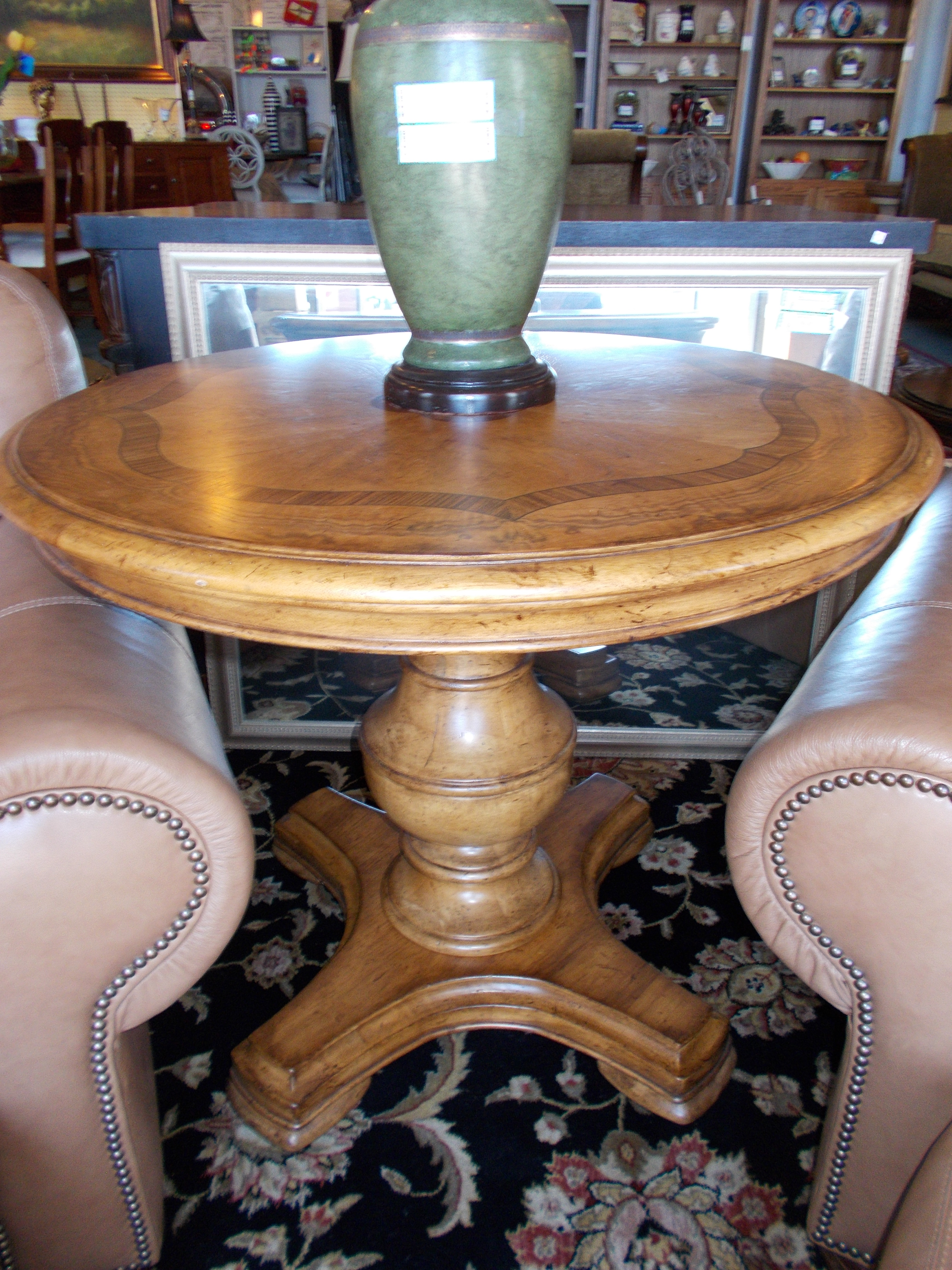 thomasville pedestal accent table with inlay some scratches high round matching night stands nest coffee tables antique looking end concrete pottery barn blue patio side pine