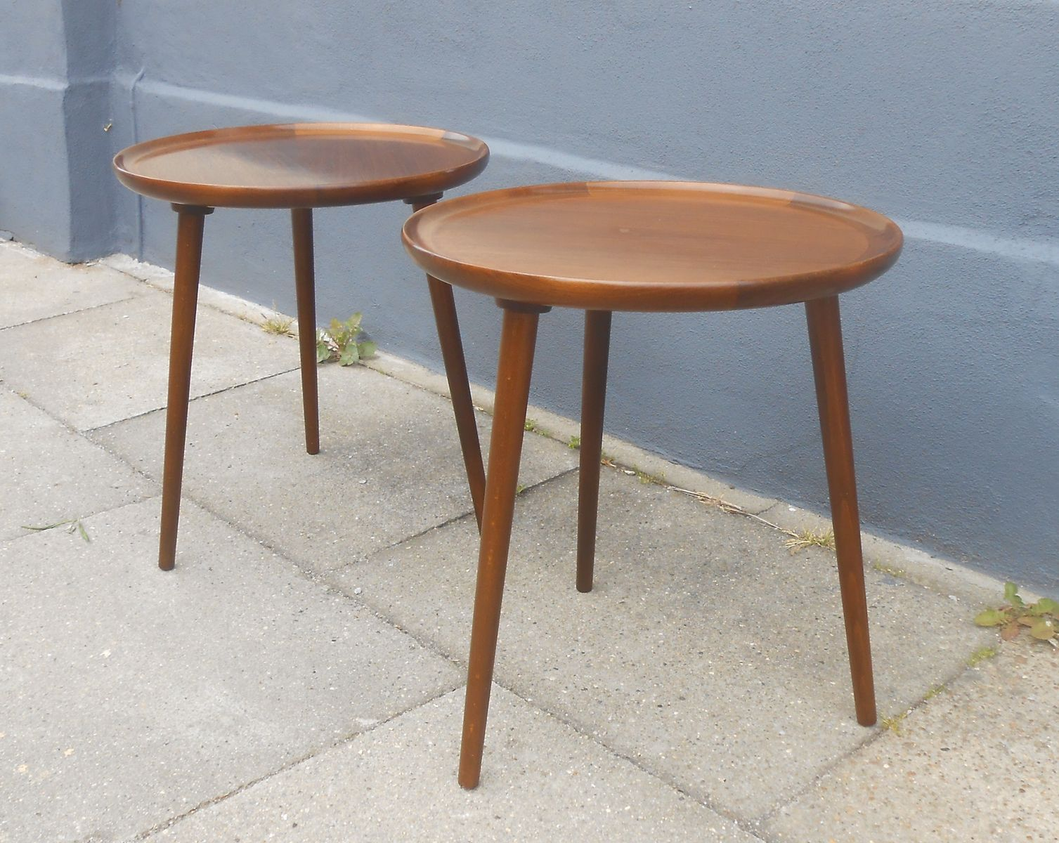 three legged side tables revolutionhr round walnut anton kildeberg set wood accent table wooden designs and mirror coffee farmhouse plans black gold lamp mid century modern dining