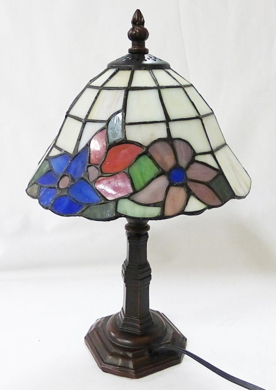tiffany butterfly lamp antique stained glass lamps for pole table accent retro chairs target threshold chair coral home accents plastic patio and designer marble top end tables