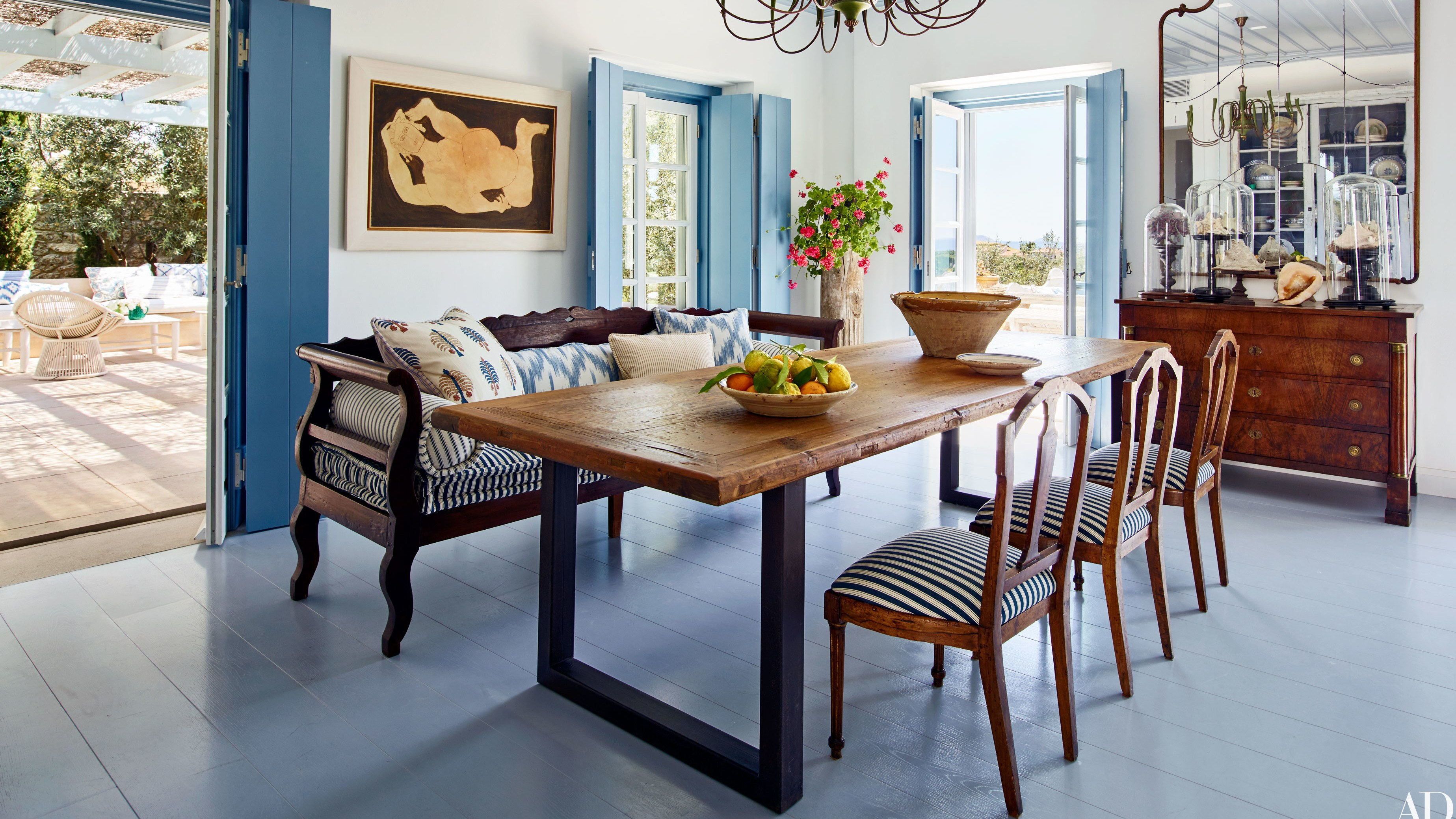 tips mix and match dining room chairs successfully isabel lopez quesada table between two accent architectural digest big lots couches white wicker patio furniture tall end tables