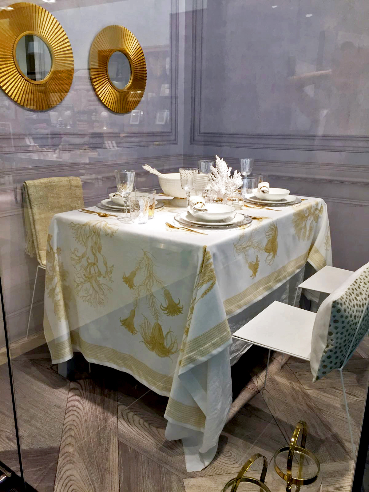 zara home catalogue locations clothing bedroom spring ideas locator room decor trending mango usa gold coral tablecloth table setting accent vase benedict white lacquer side