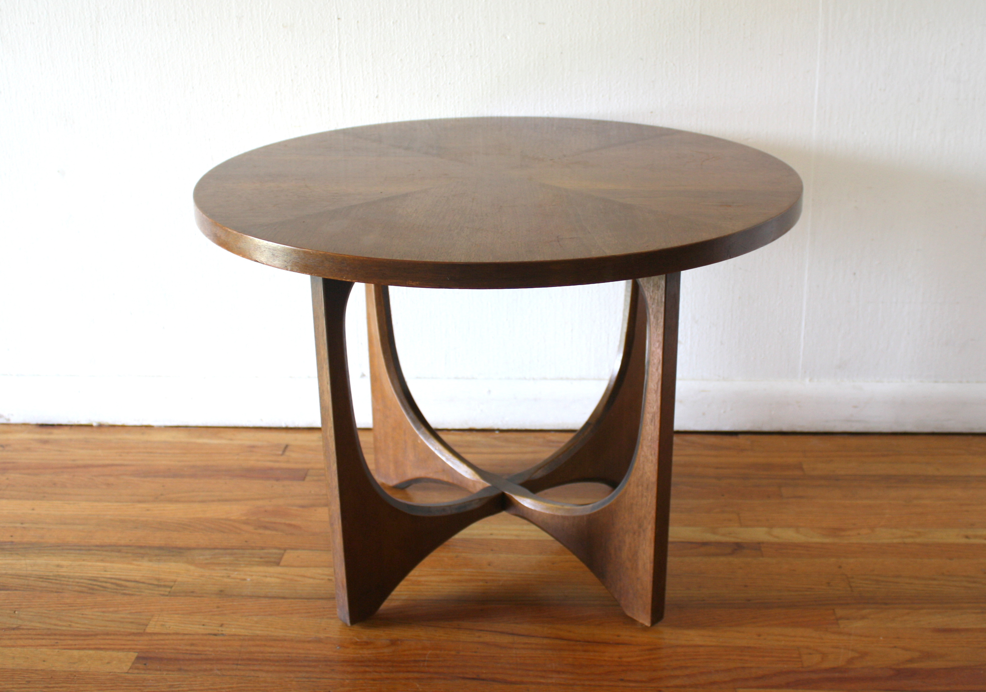 broyhill brasilia round side end table ked vintage tables wrought iron living room ashley porter magnolia market farmhouse ethan allen corner desk long thin cottage furniture