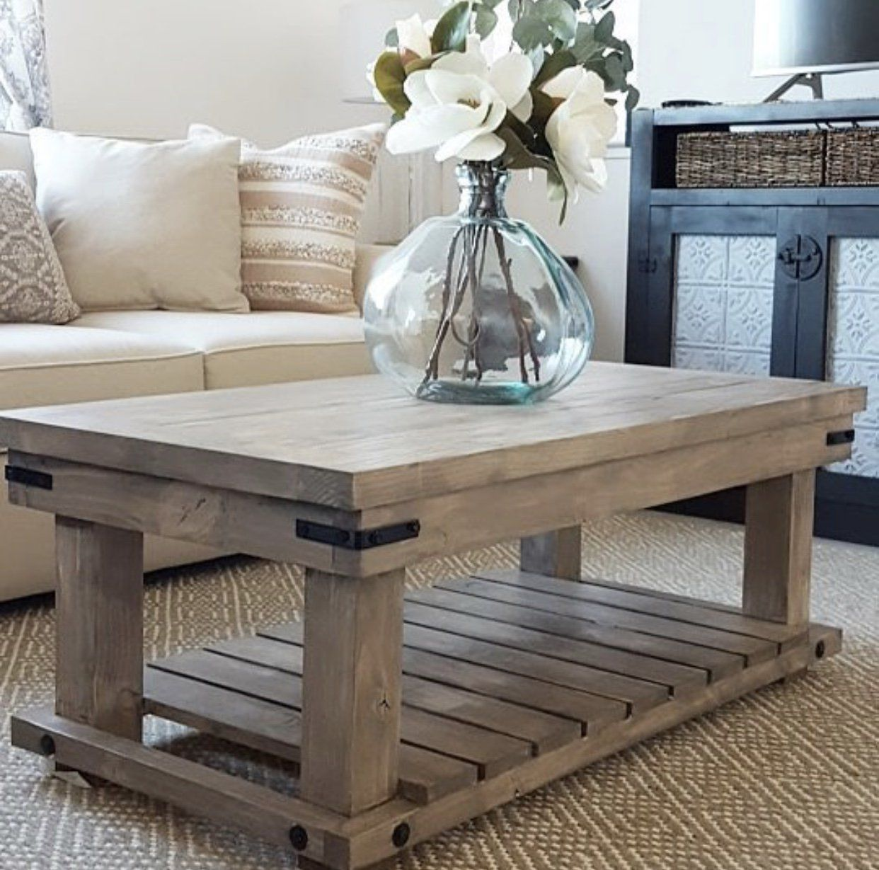 diy industrial coffee table inspiration end diyindustrialcoffeetable diyprojects diyideas diyinspiration diycrafts diytutorial plexiglass brown leather sofa living room patio