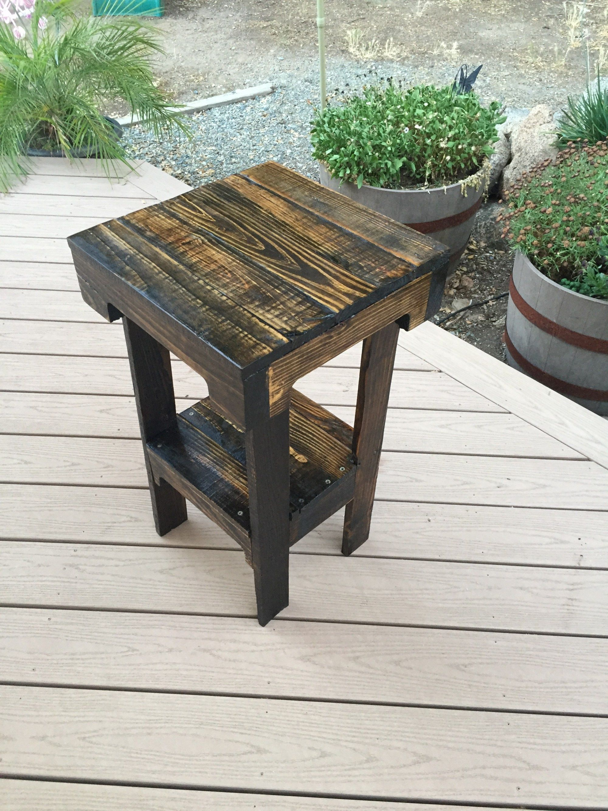 diy pallet end table tables asian style coffee narrow console drawers inch square patio mink bedside lamps latest designs collapsible pet kennel universal gallery furniture slim